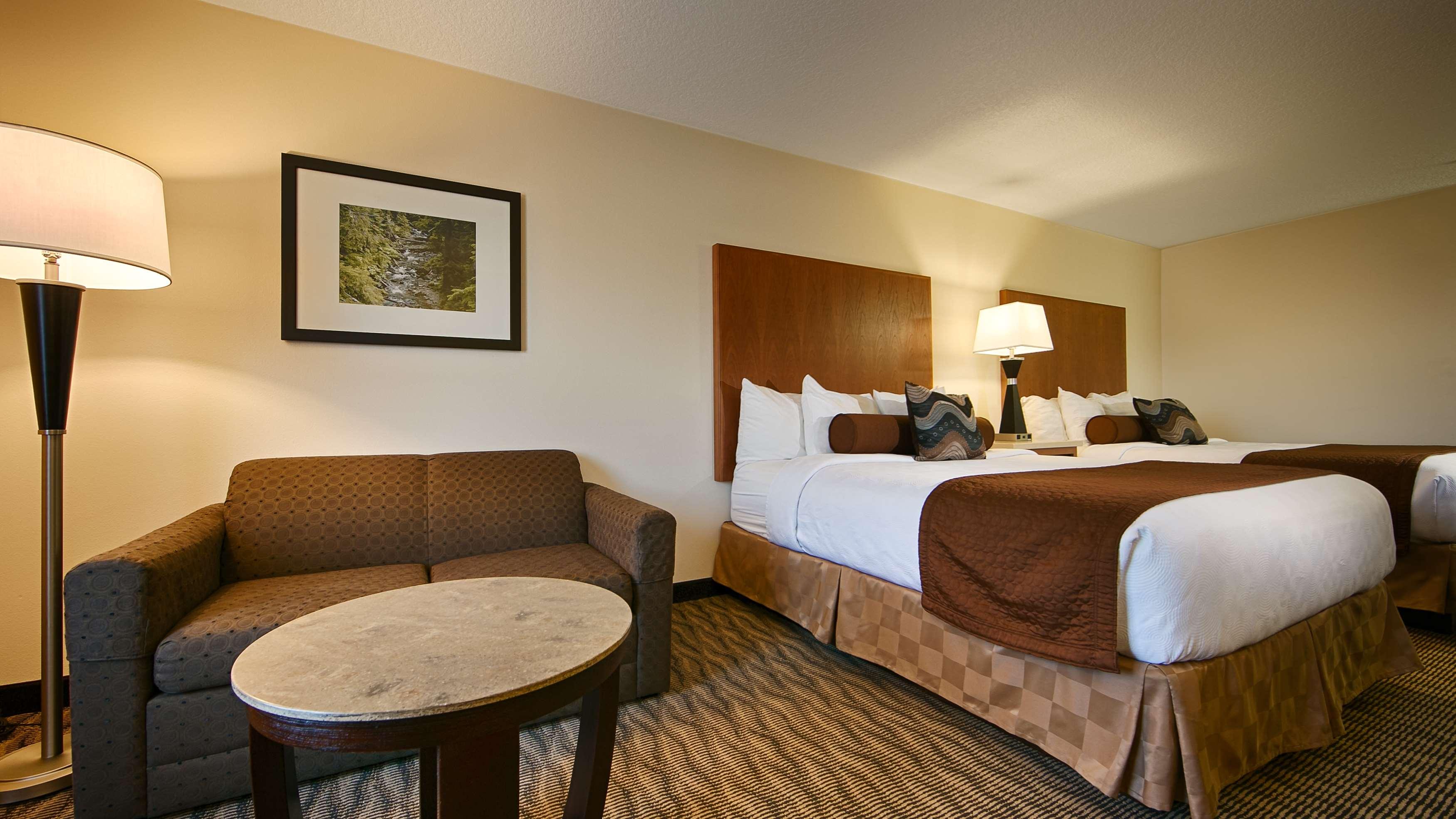 Best Western Plus Park Place Inn & Suites image 11
