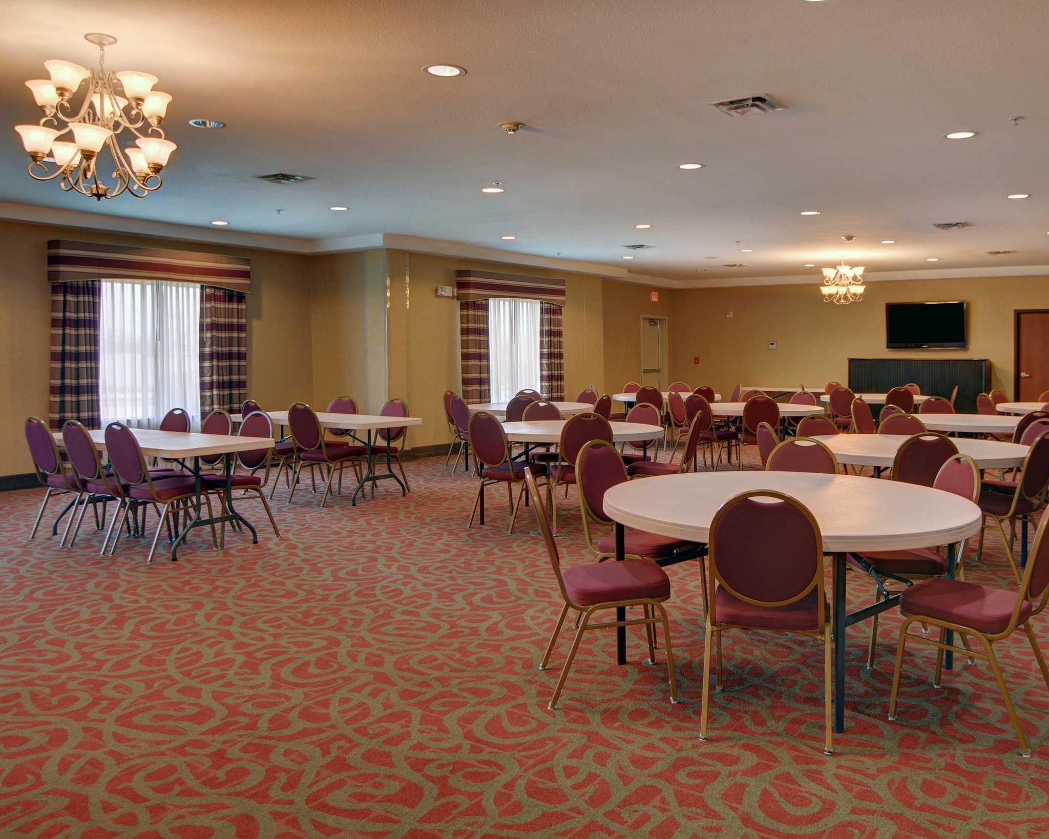 Comfort Suites Near Cedar Creek Lake image 15