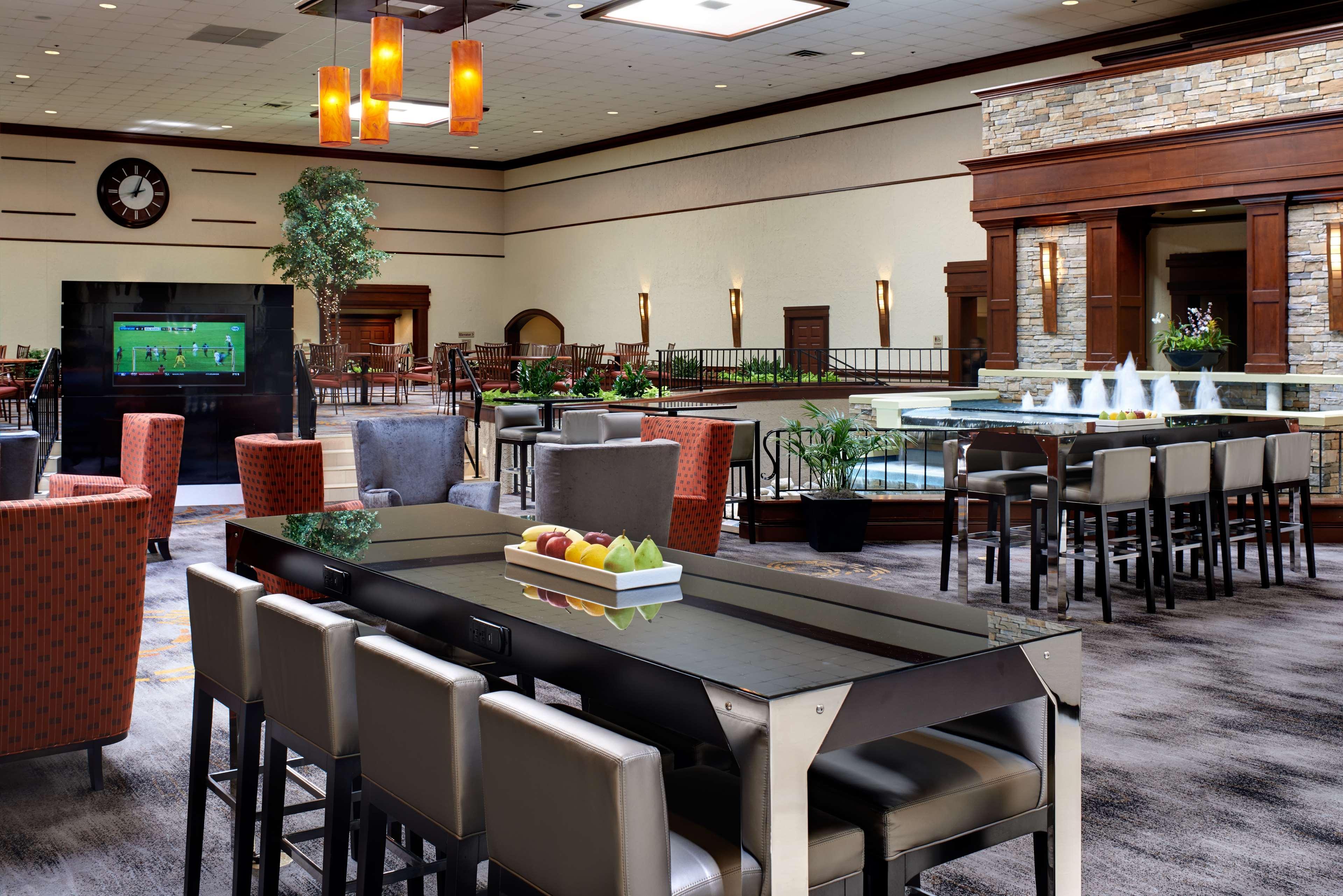 DoubleTree by Hilton Hotel Detroit - Dearborn image 7