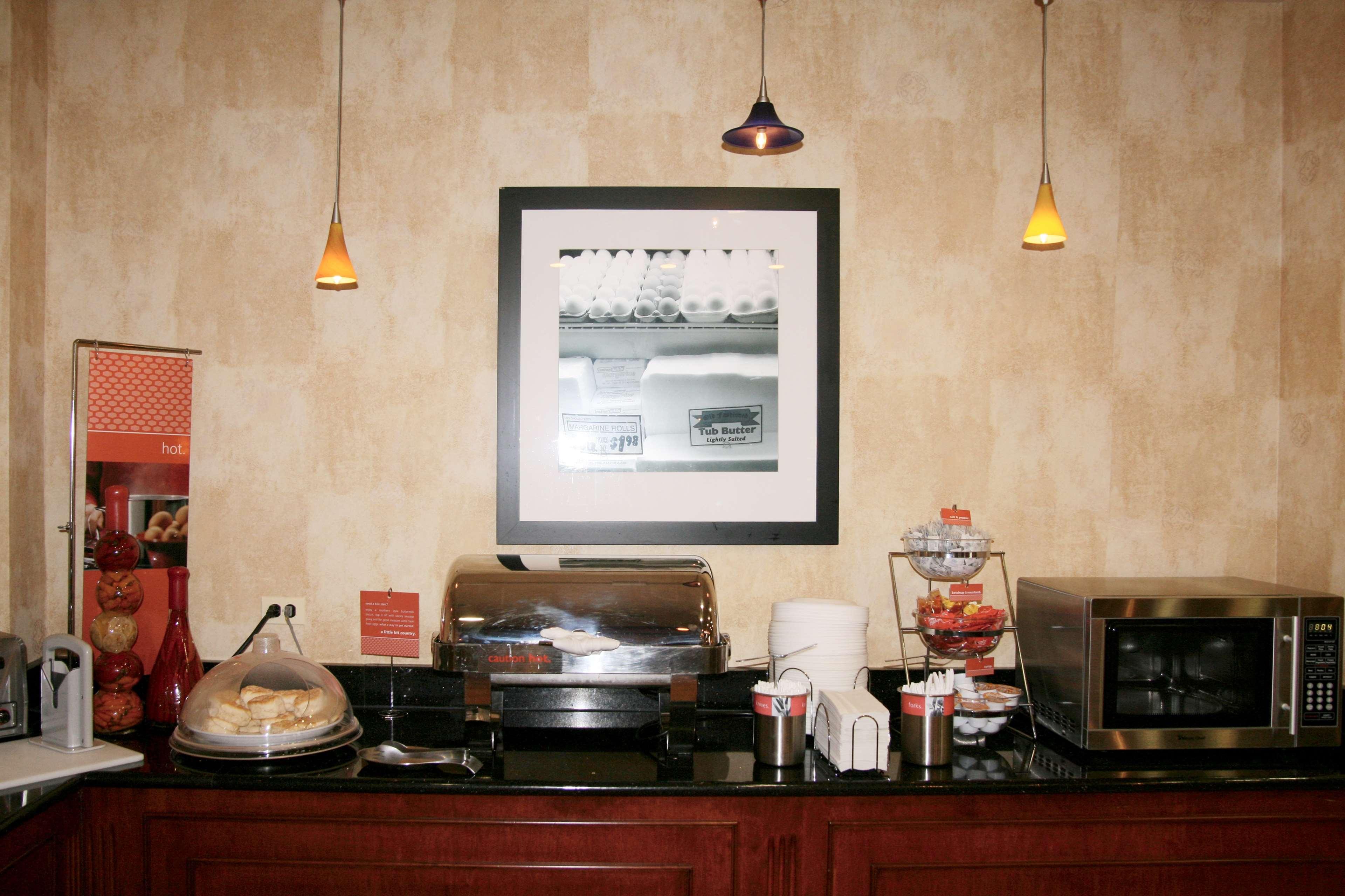 Hampton Inn & Suites Bolingbrook image 8