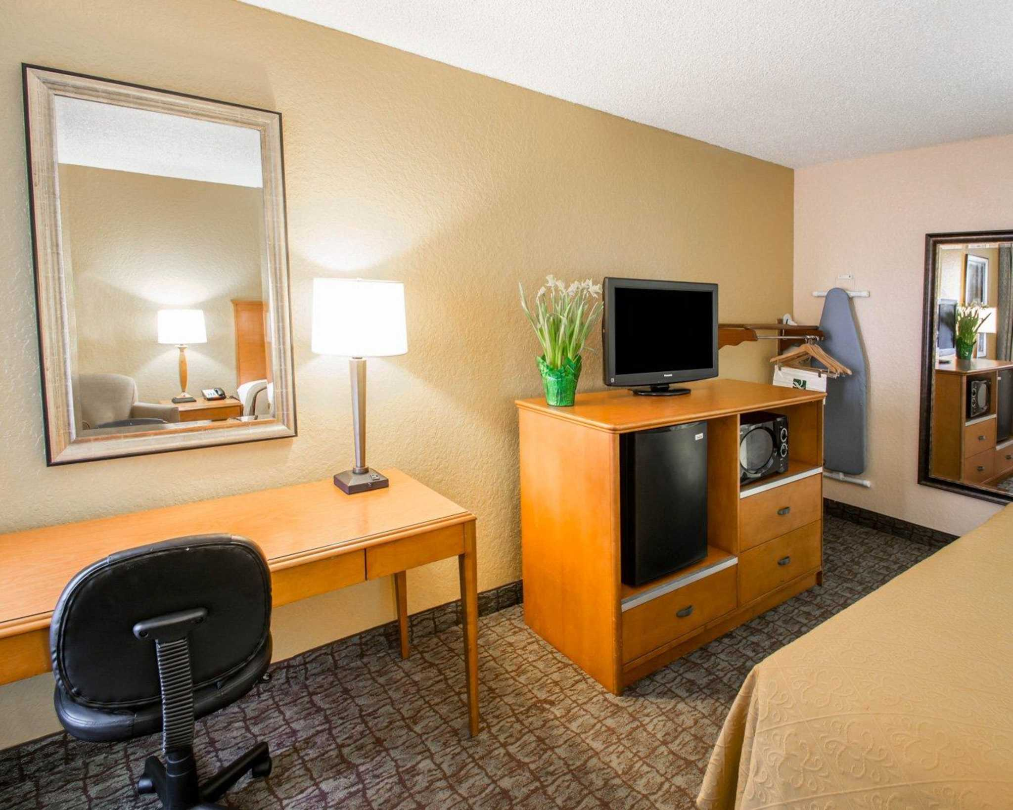 Quality Inn Miami Airport image 5