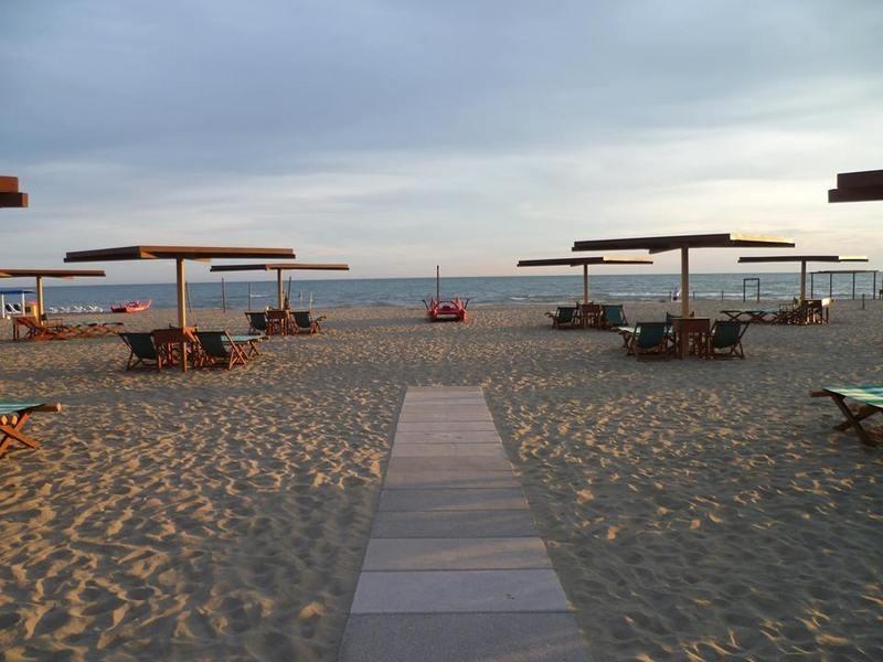Bagno salvatori turismo luoghi percorsi e attrazioni for Bagno san francesco forte dei marmi