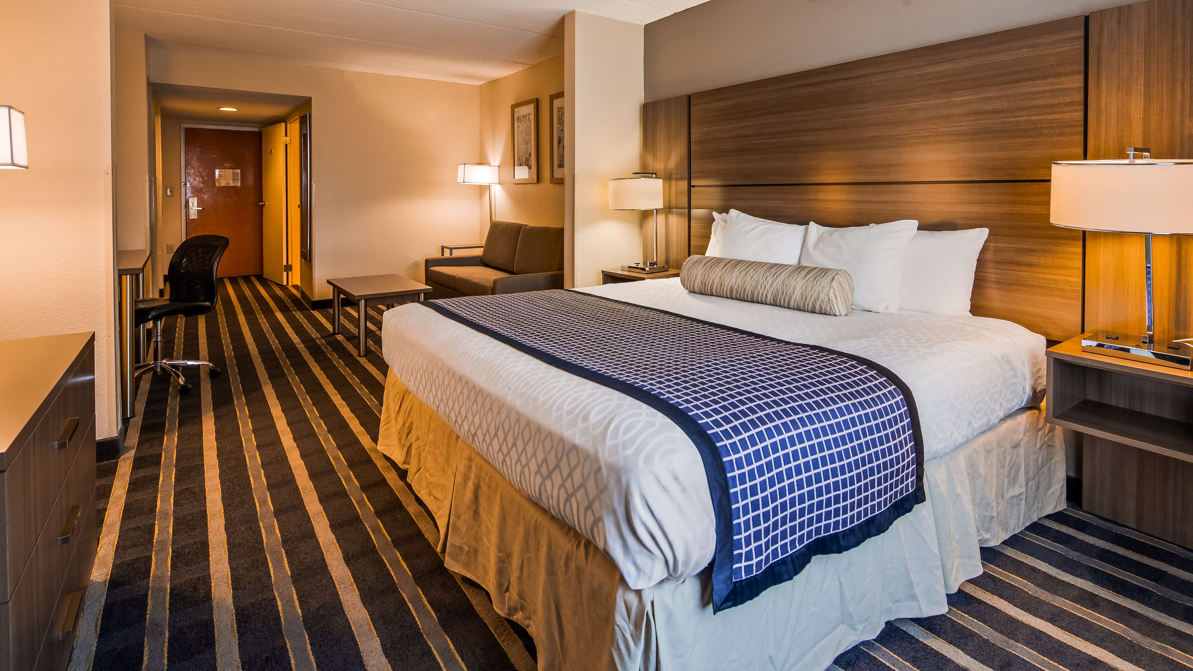 Best Western Plus Hotel & Suites Airport South image 10