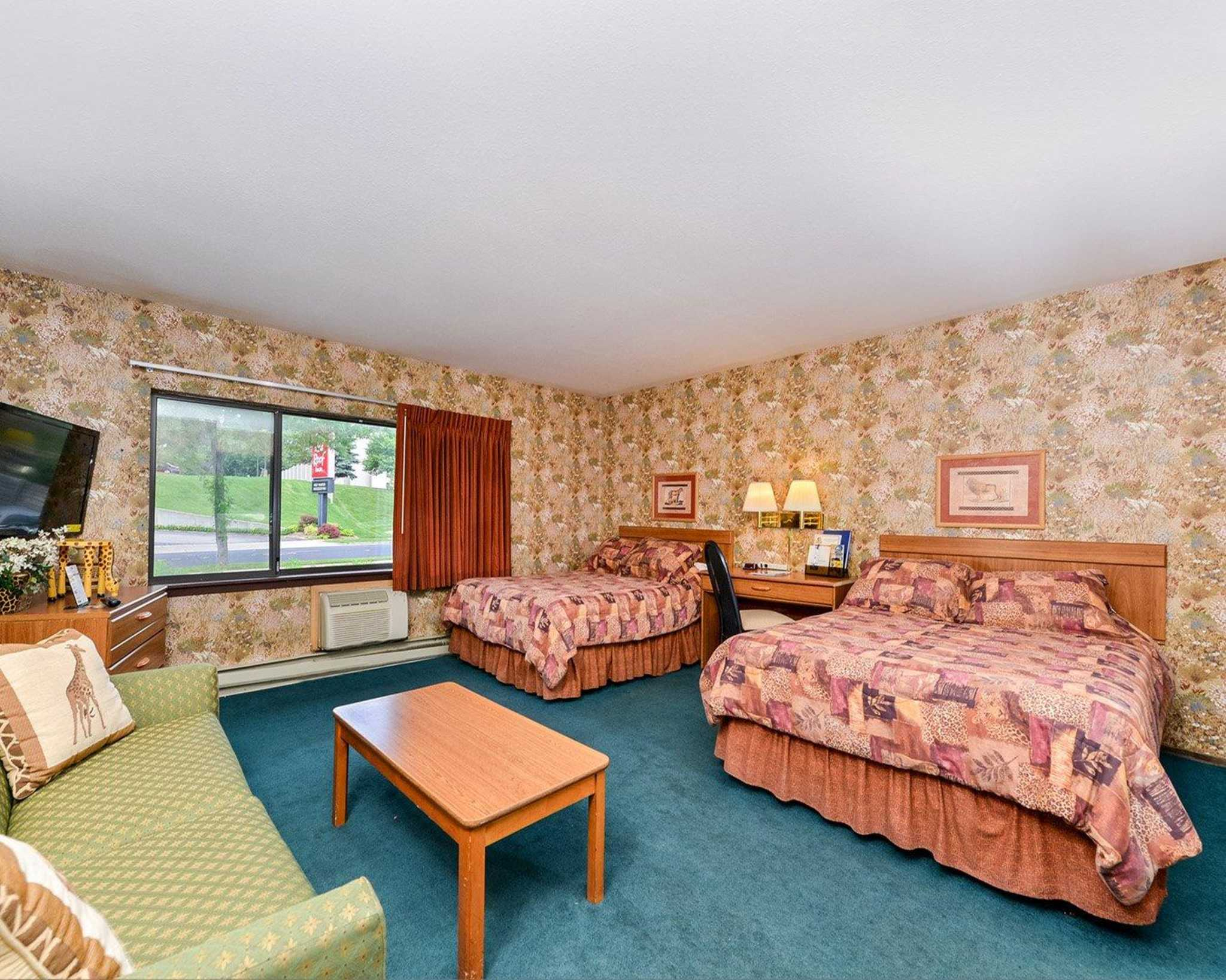 Rodeway Inn & Suites WI Madison-Northeast image 18