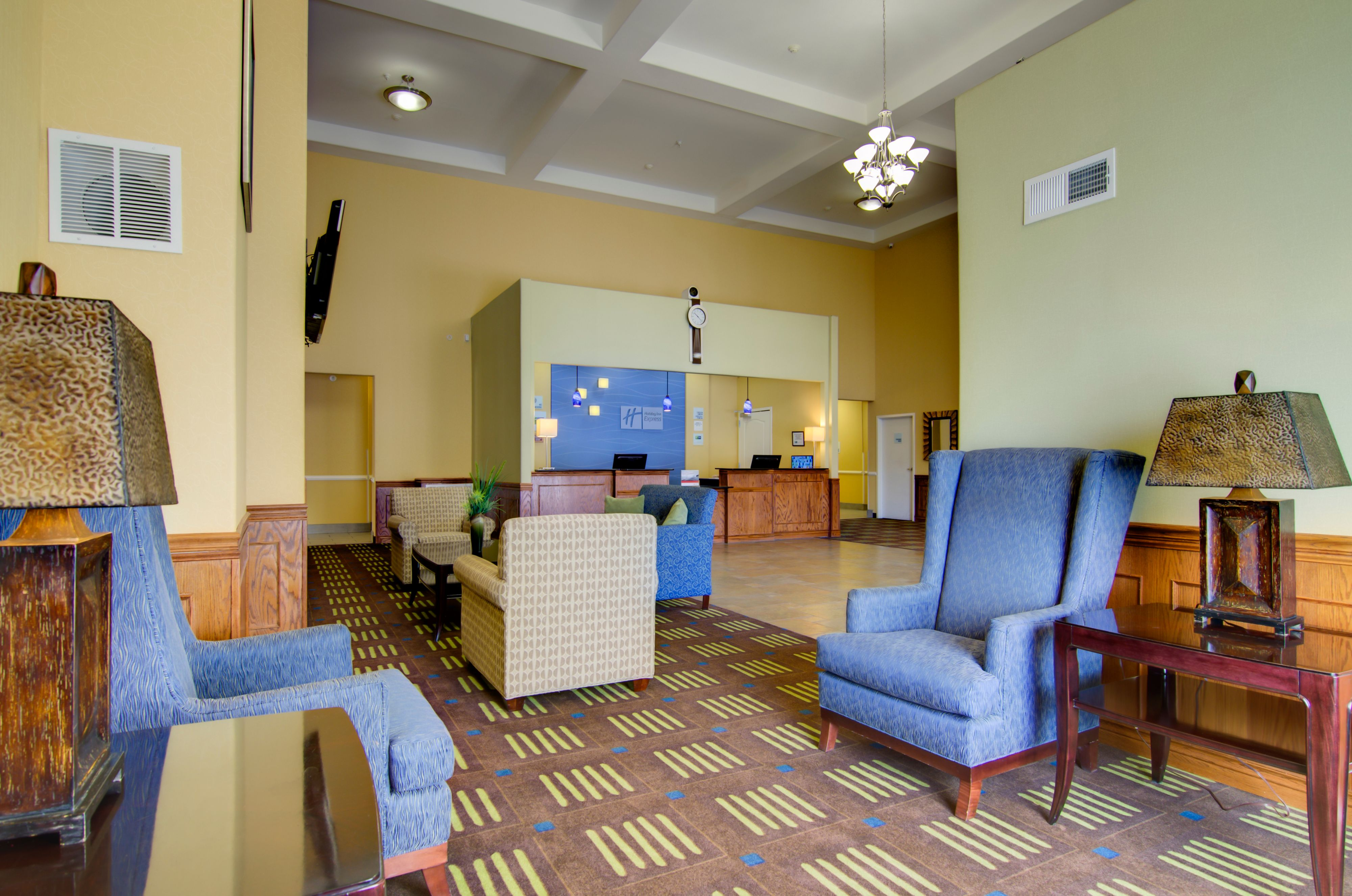 Holiday Inn Express & Suites Kansas City Sport Complex Area image 4