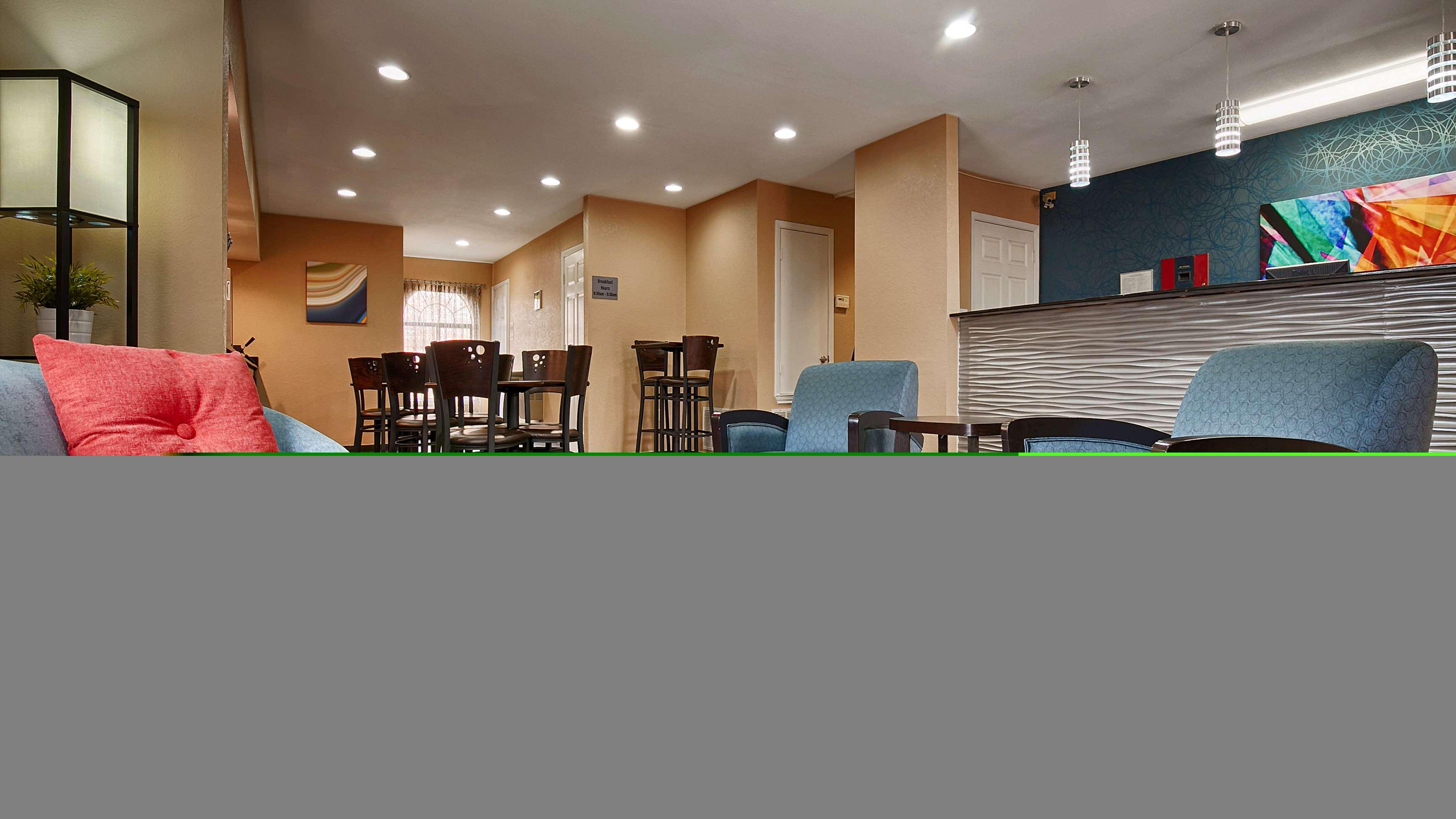 Best Western Cedar Inn image 24