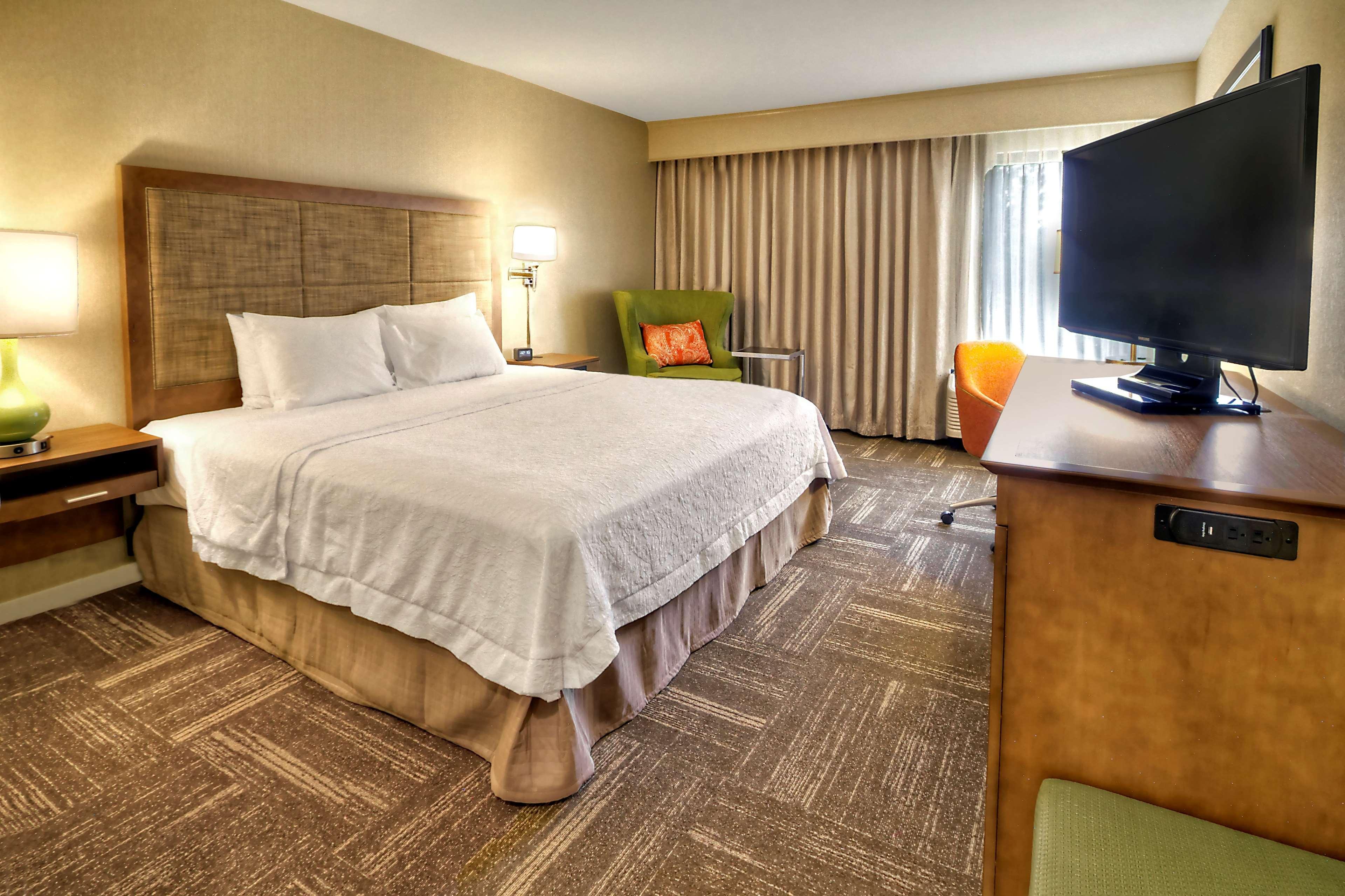 Hampton Inn & Suites Asheville-I-26 image 12