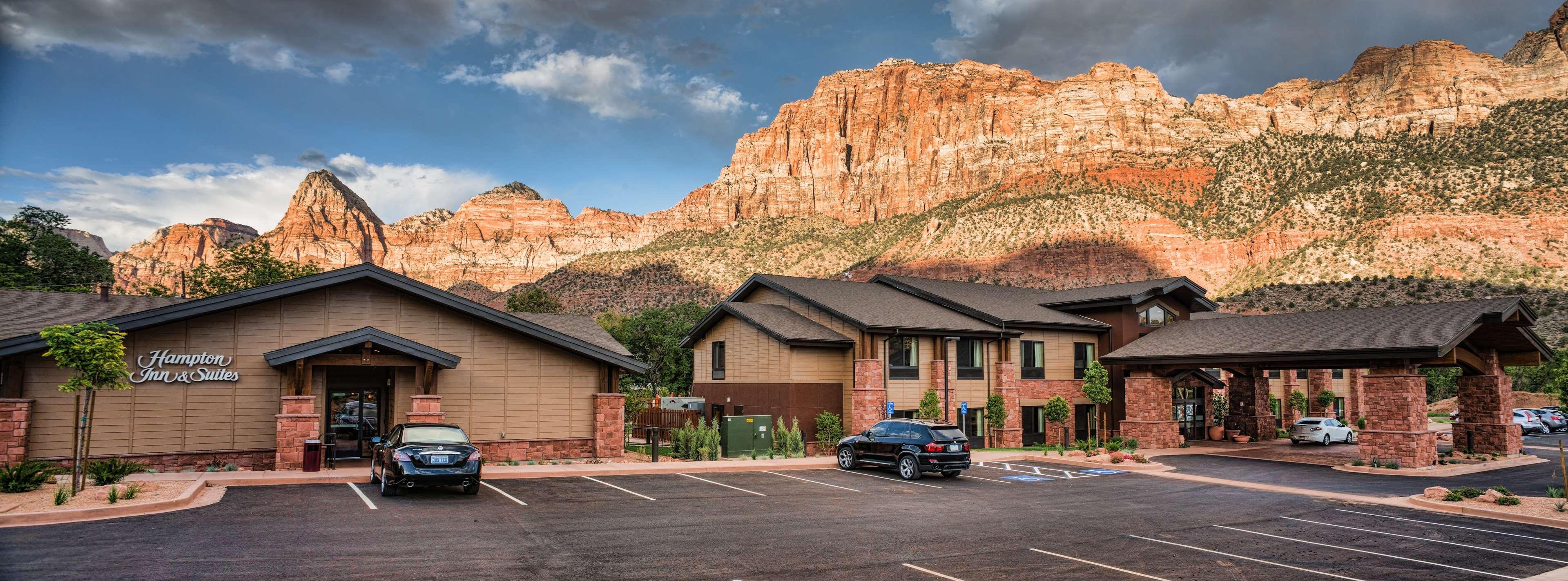 Hampton Inn & Suites Springdale/Zion National Park image 2