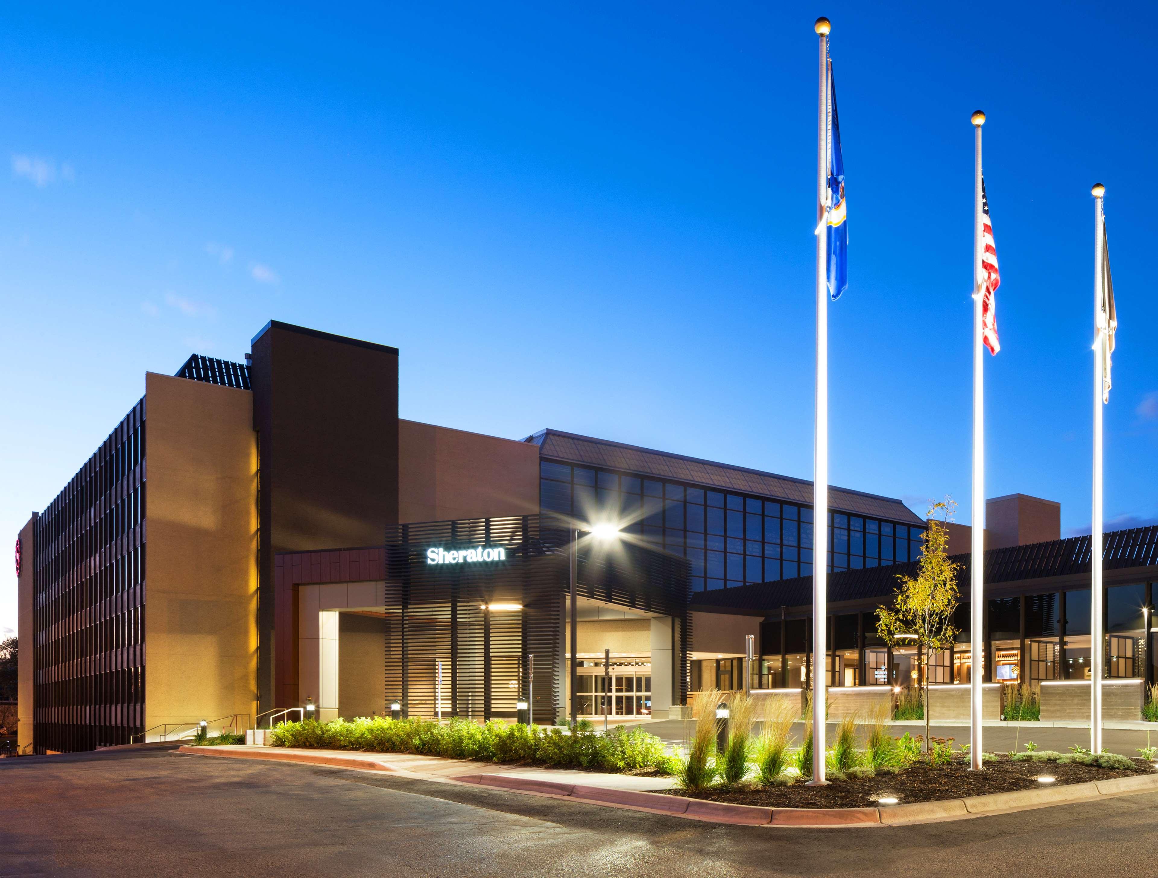 Sheraton Bloomington Hotel image 0