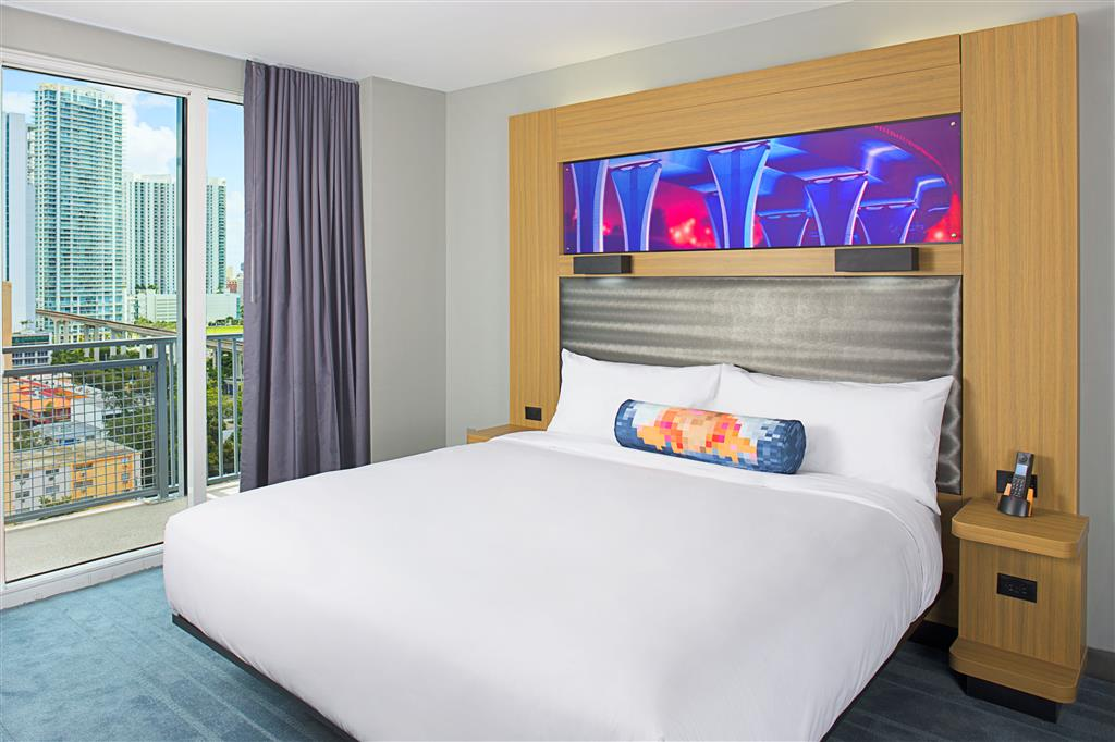 Aloft Miami - Brickell image 2