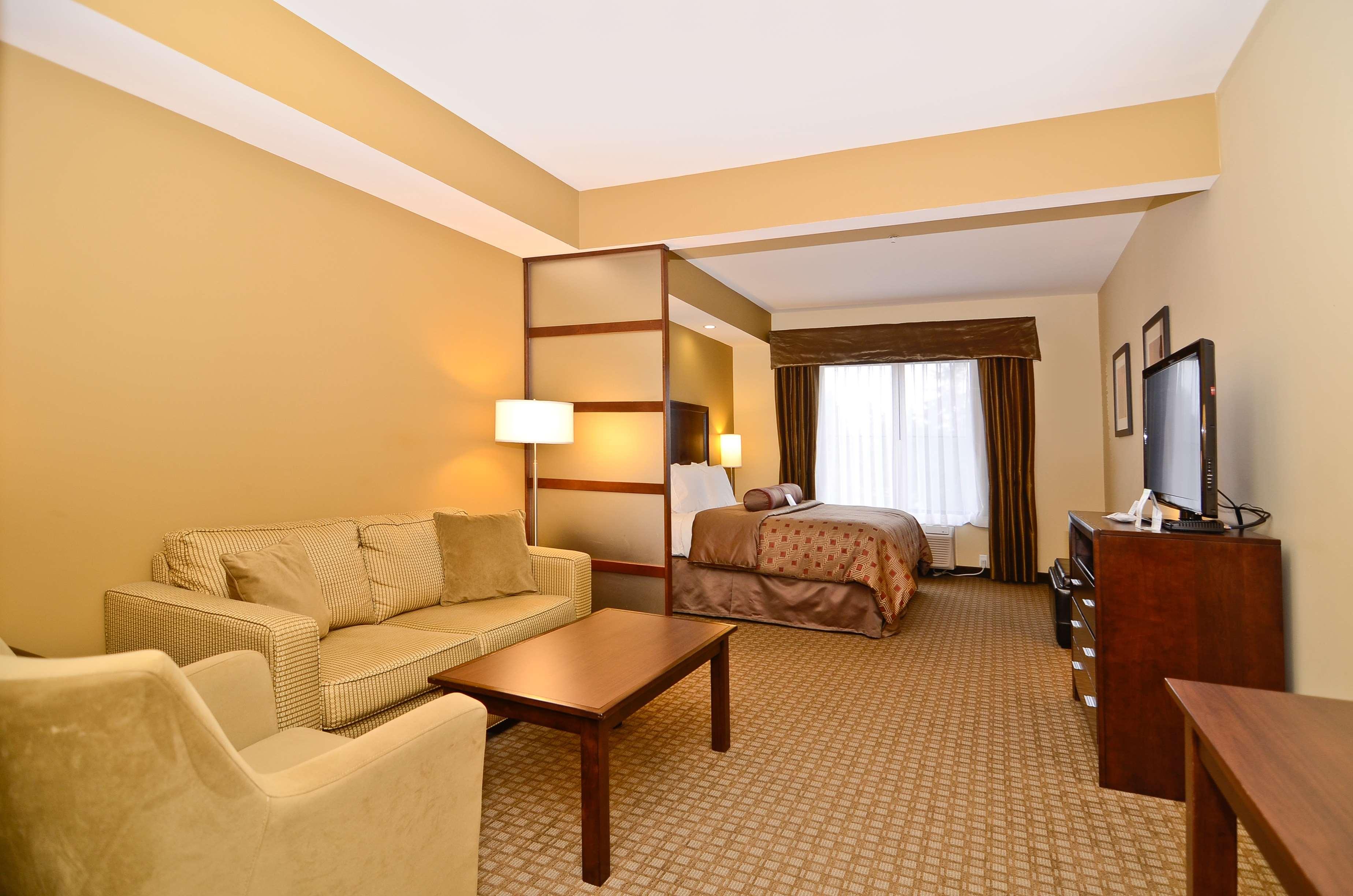 Best Western Plus Lacey Inn & Suites image 20