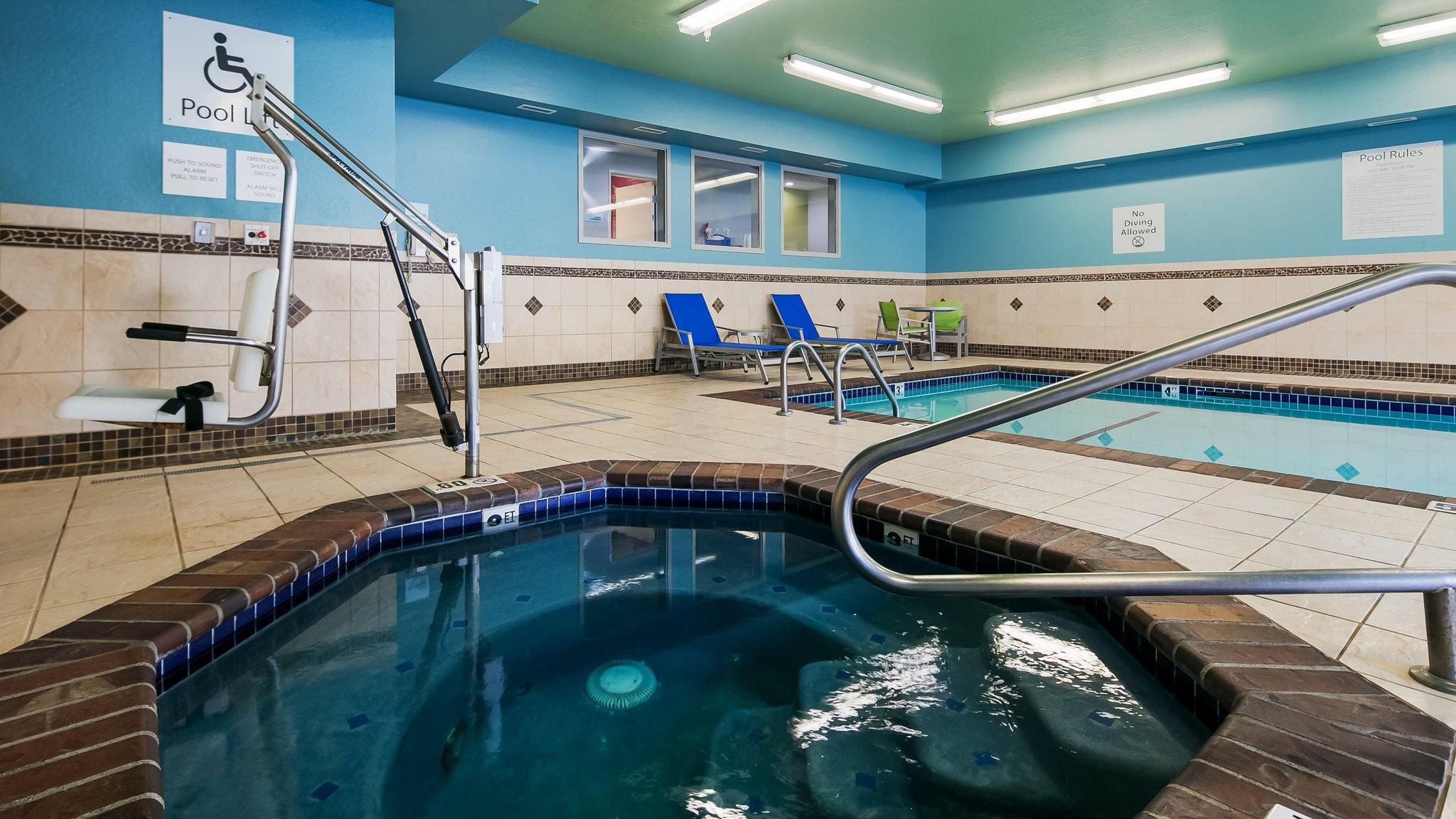 Holiday Inn Express & Suites Everett, an IHG Hotel