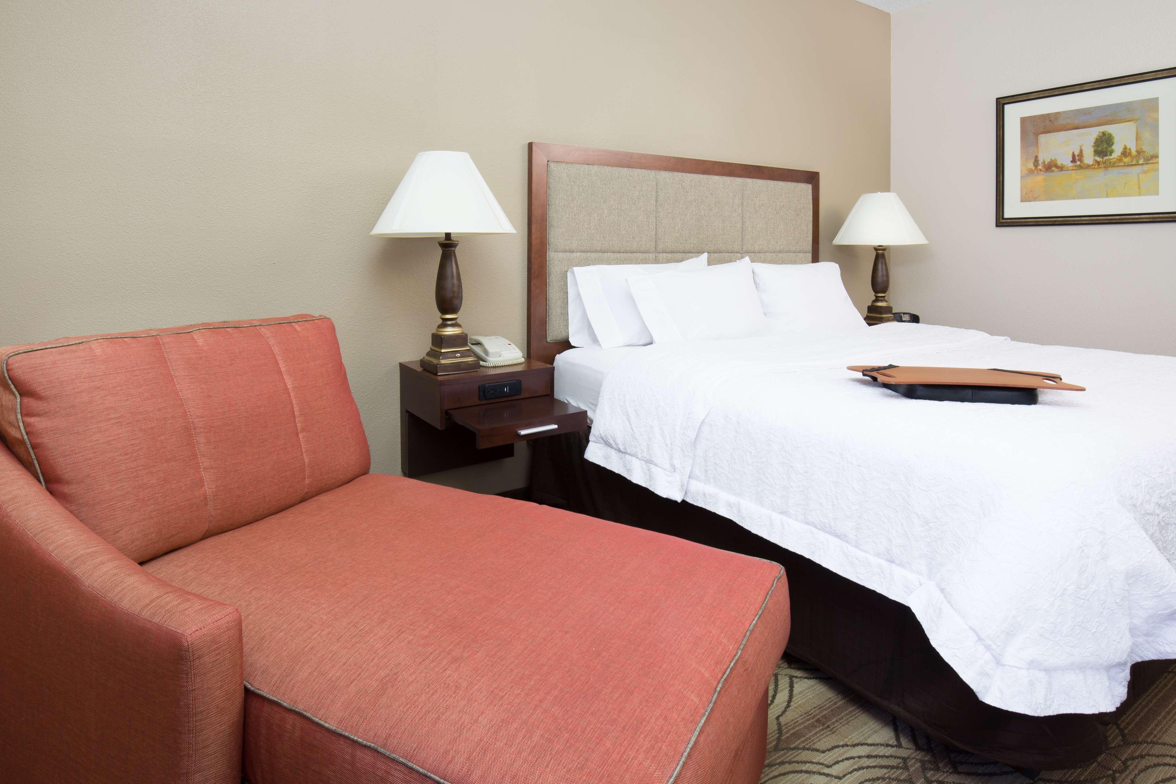 Hampton Inn & Suites Ft. Wayne-North image 14