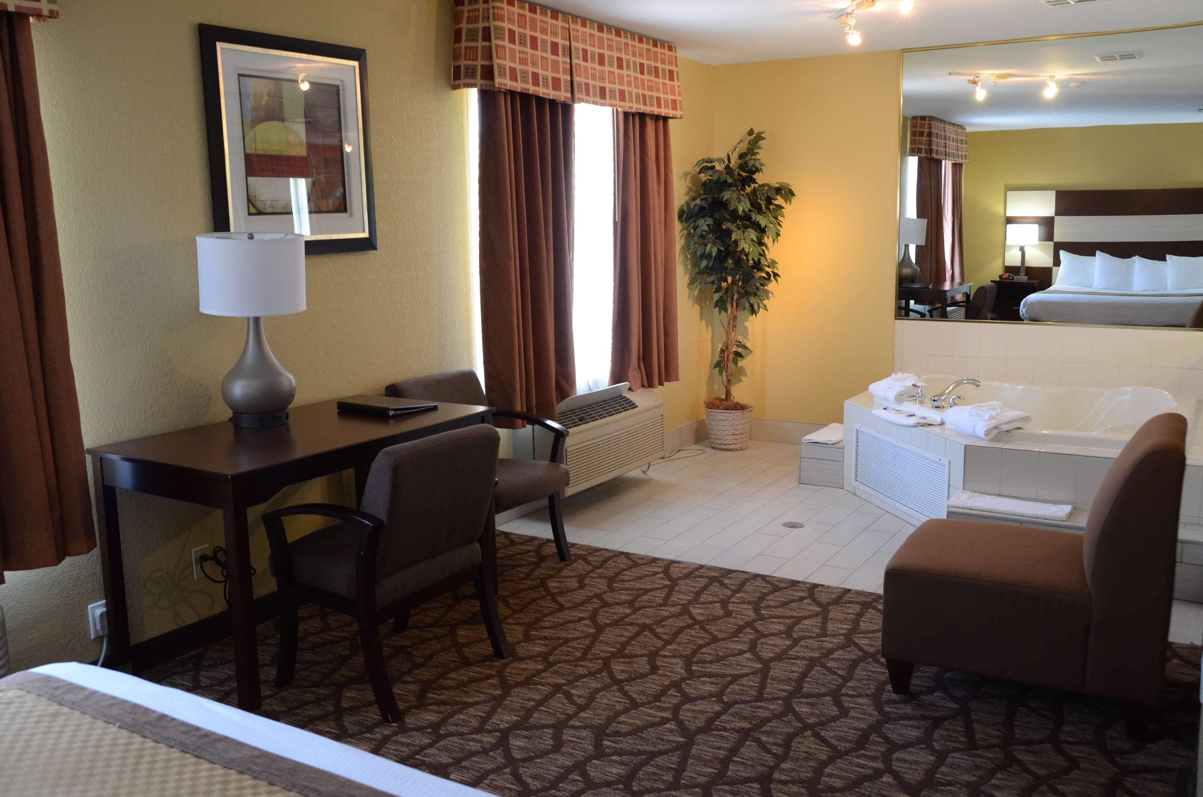 Best Western Joliet Inn & Suites image 25