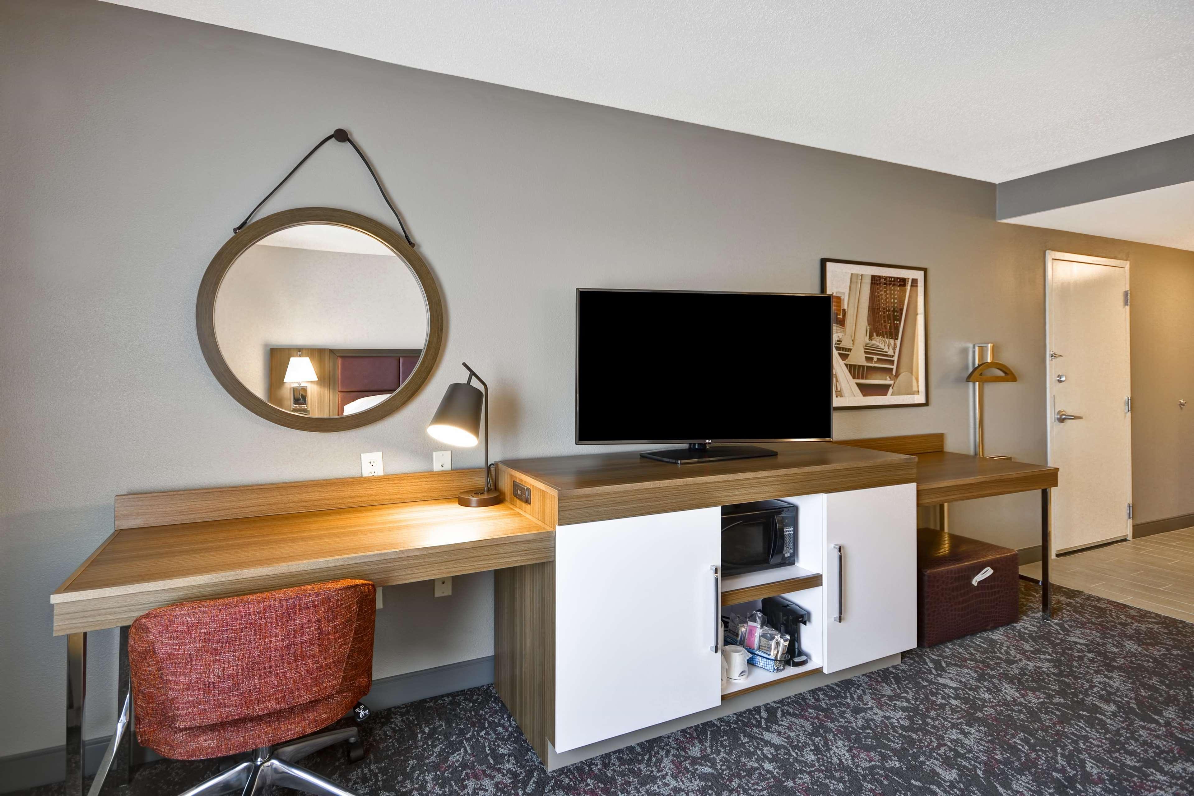 Hampton Inn & Suites Columbus-Easton Area image 47