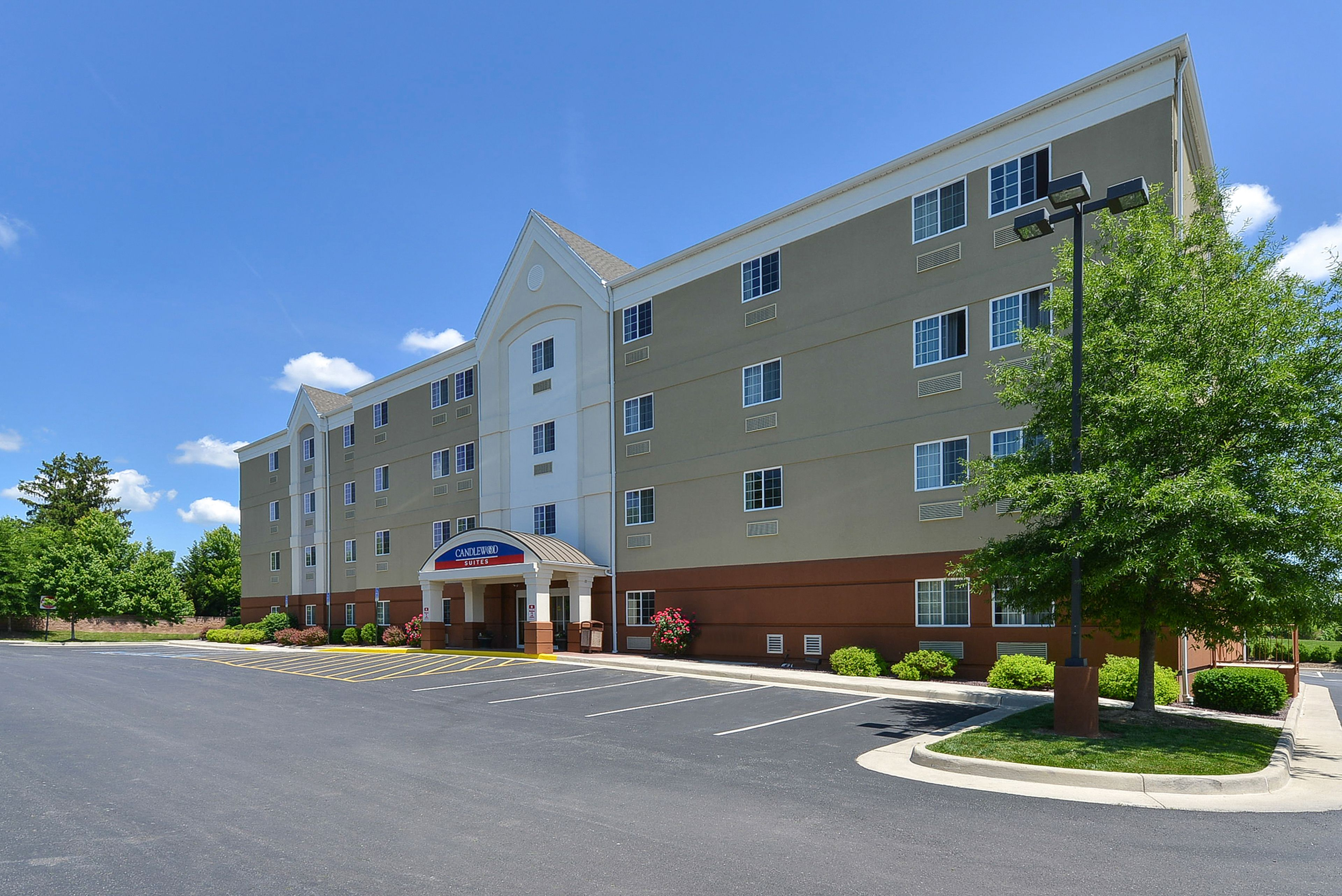 Candlewood Suites Winchester image 5