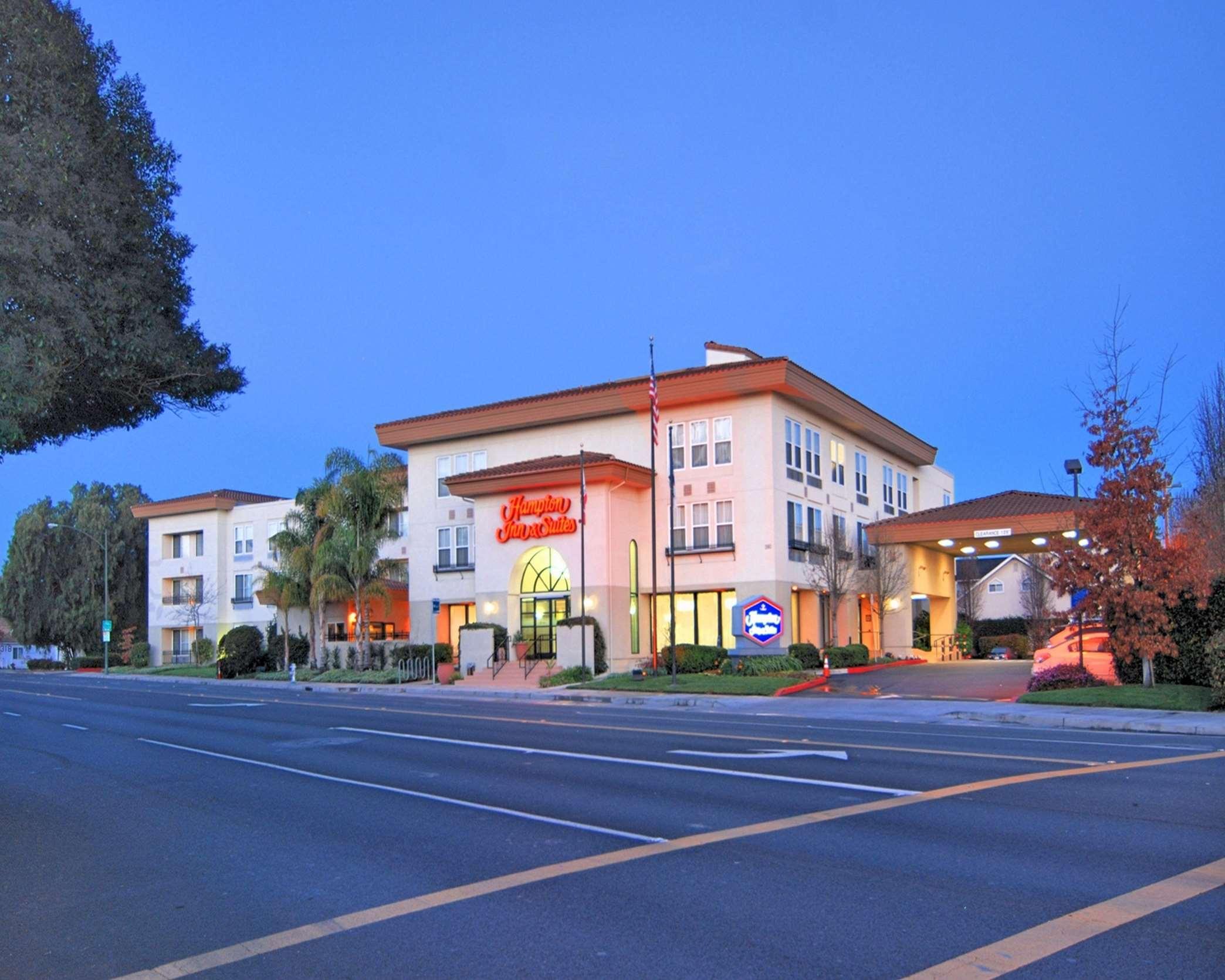 Hampton Inn & Suites Mountain View image 0