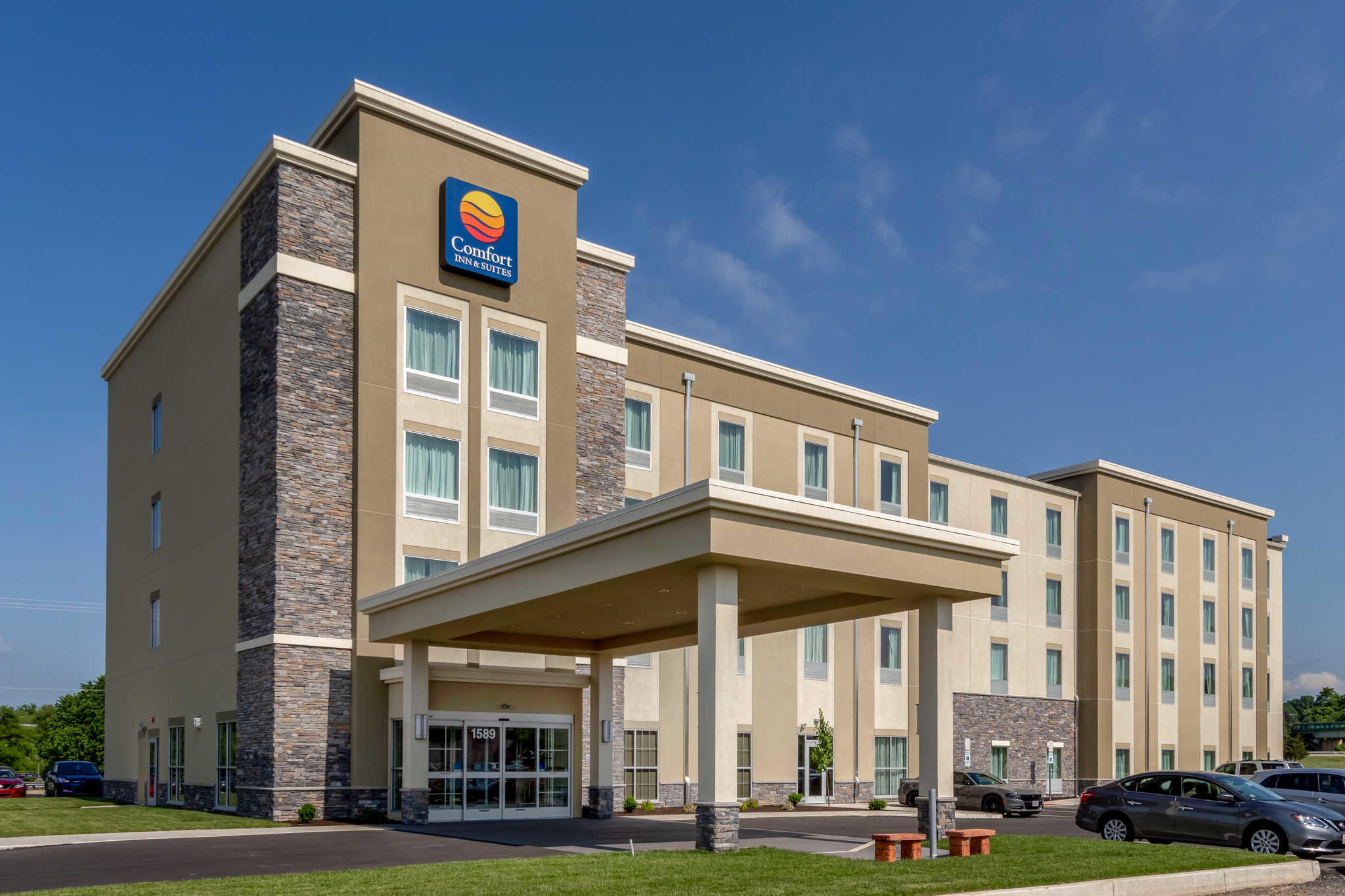 Comfort Inn & Suites - Harrisburg Airport - Hershey South image 0