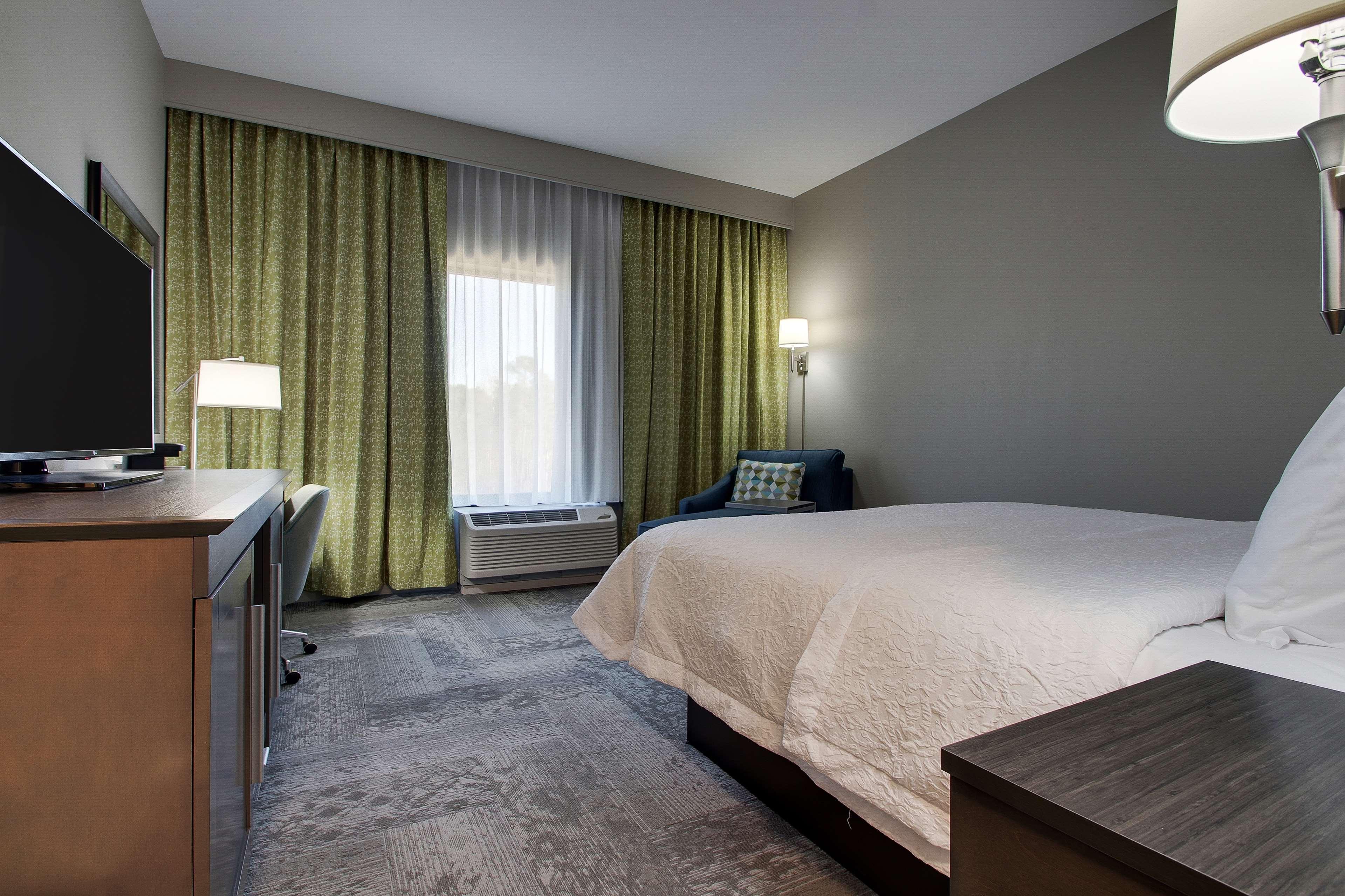 Hampton Inn & Suites Knightdale Raleigh image 18