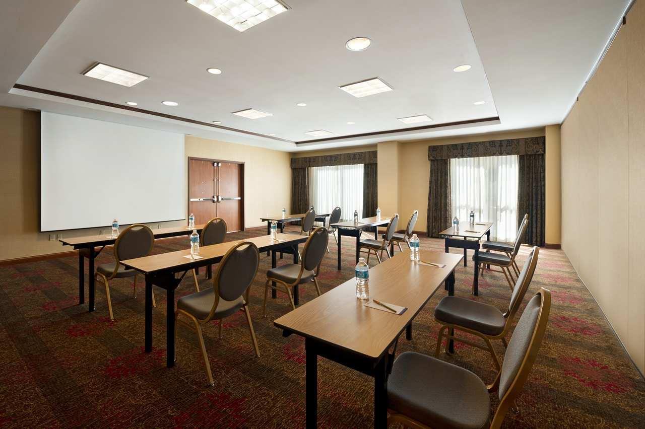 Hilton Garden Inn Houston/The Woodlands image 7