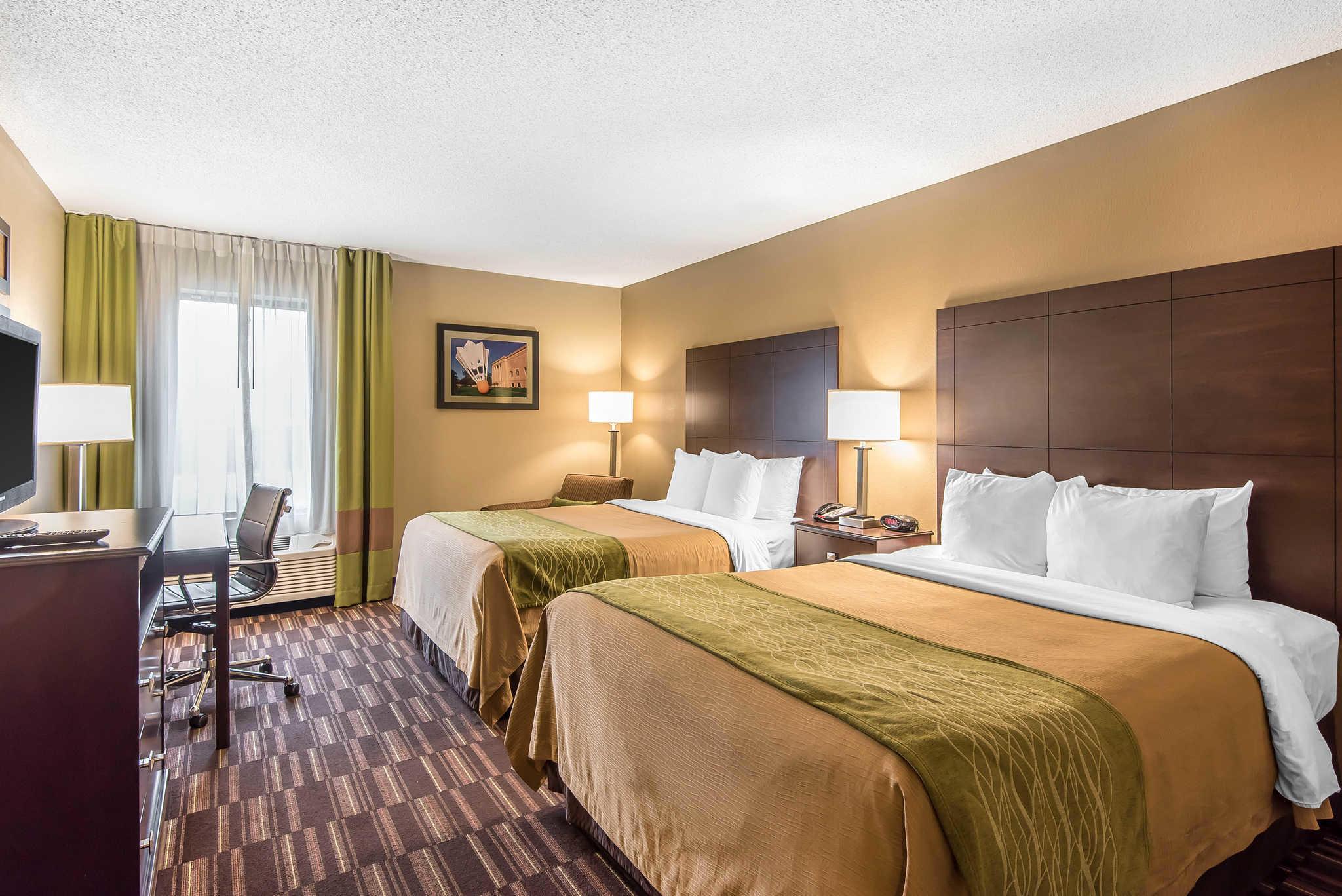 Comfort Inn & Suites Kansas City - Northeast image 14
