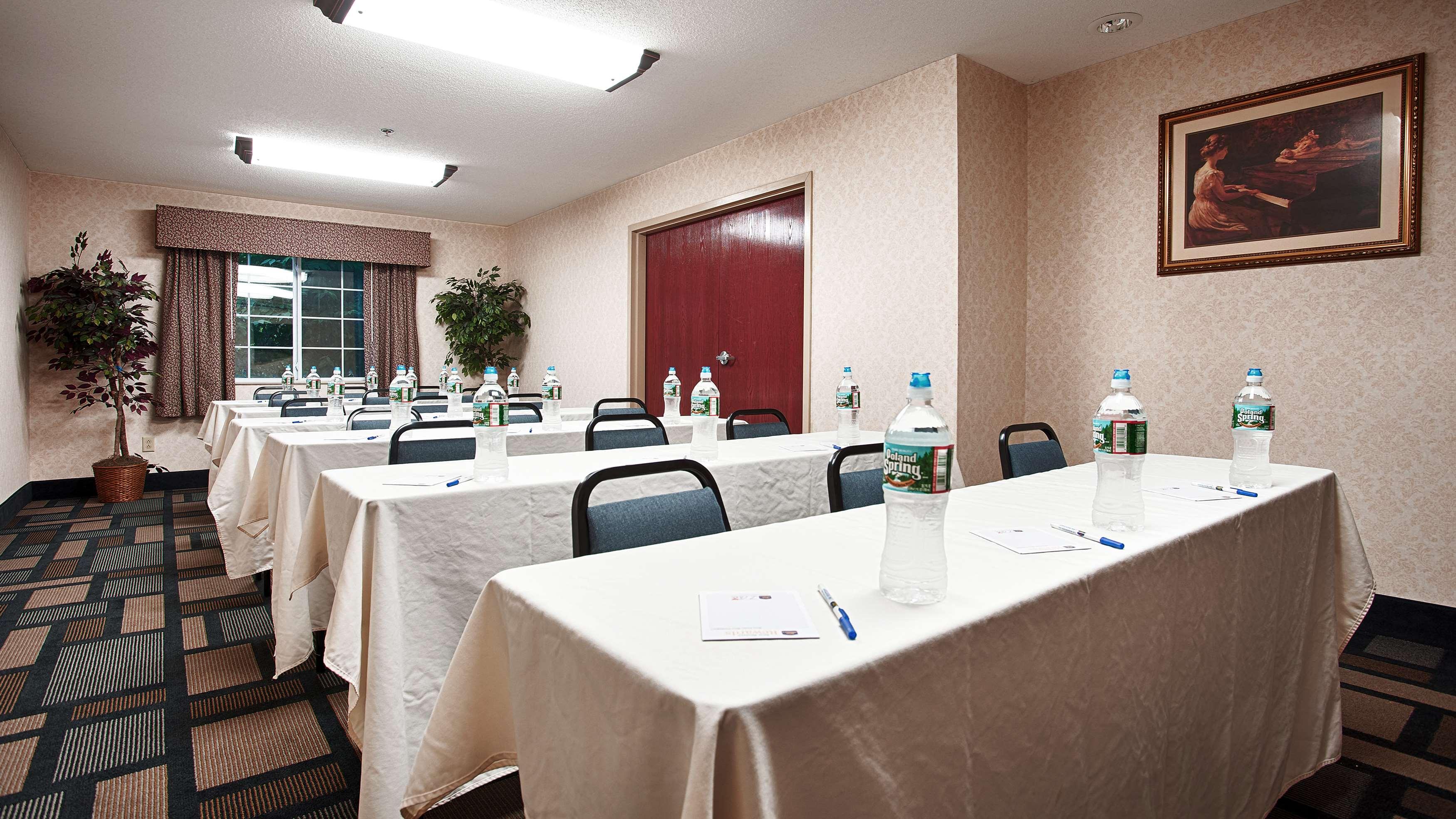 Best Western Plus Berkshire Hills Inn & Suites image 42