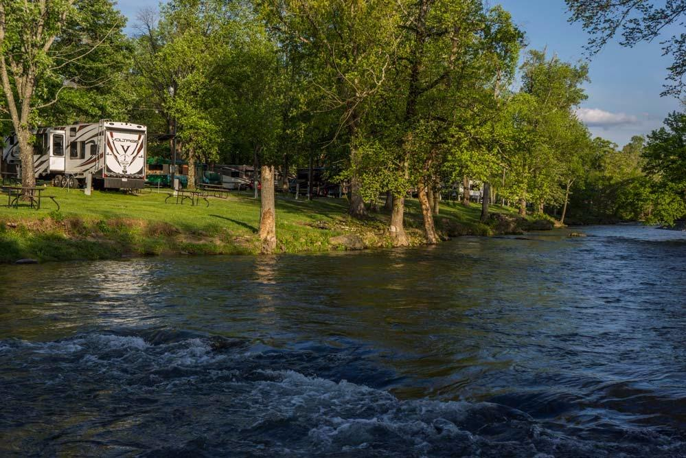 Camp riverslanding in pigeon forge tn whitepages for Pigeon forge fishing