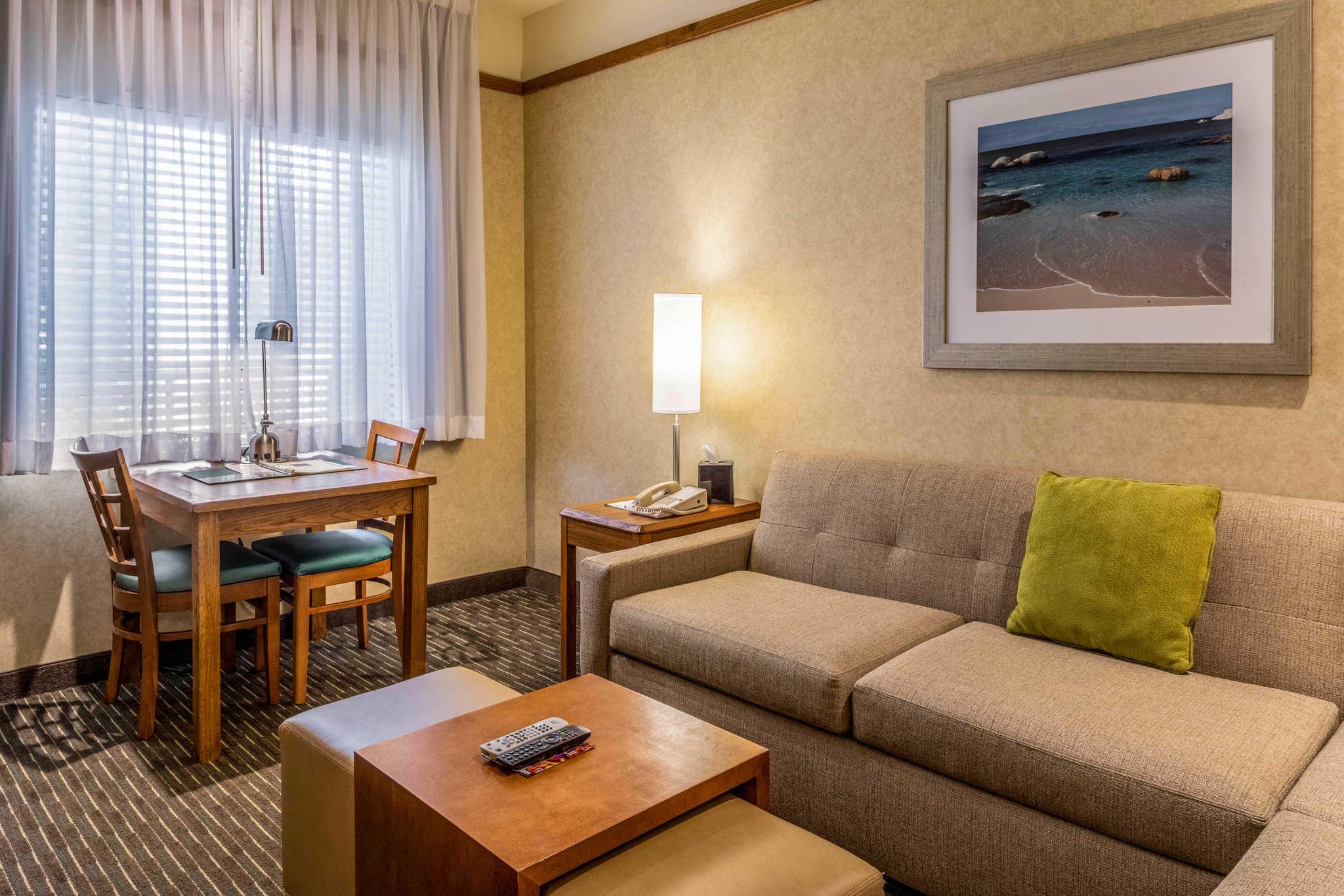 Quality Suites Downtown San Luis Obispo image 13
