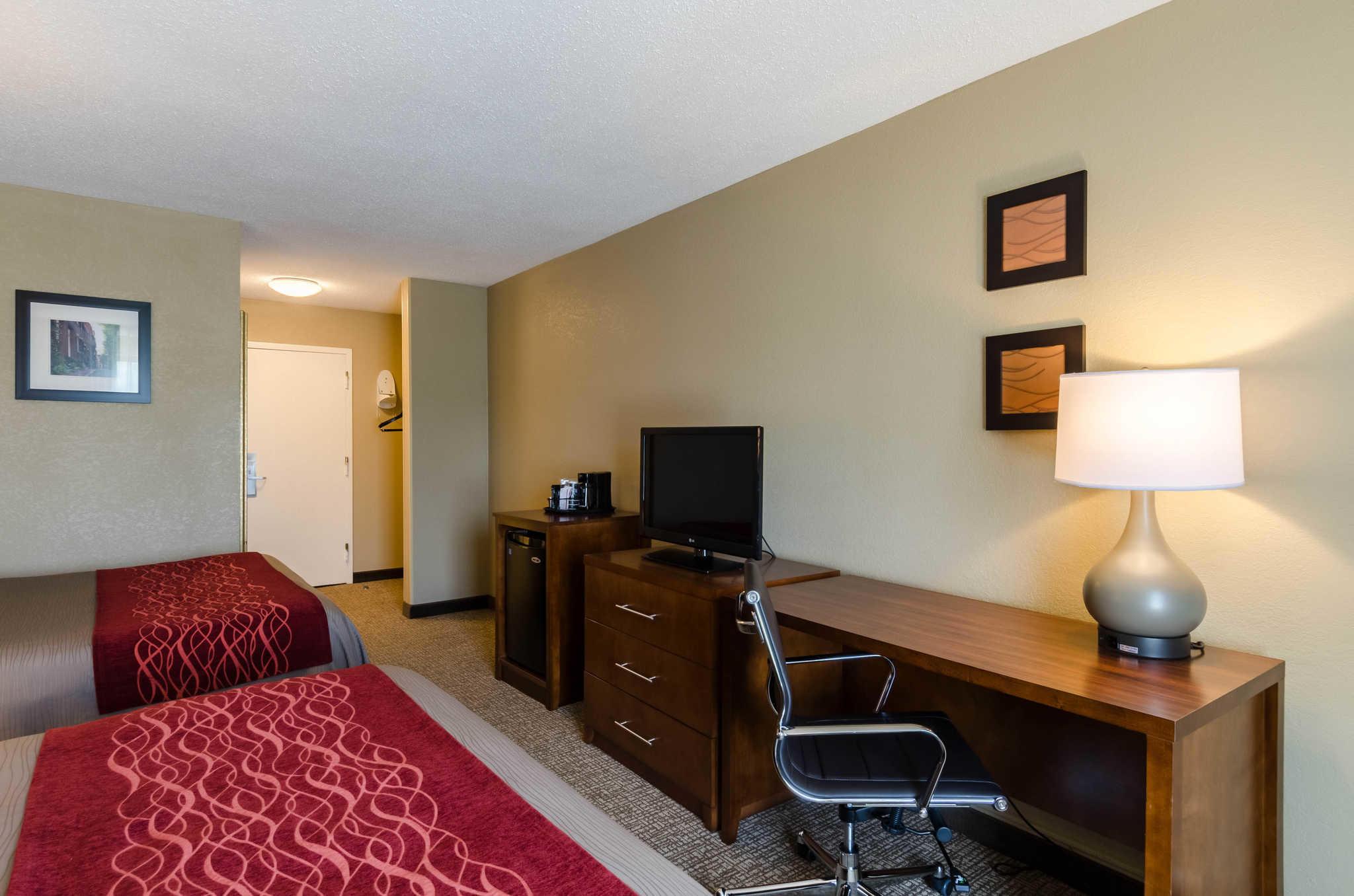 Comfort Inn Randolph - Boston image 5