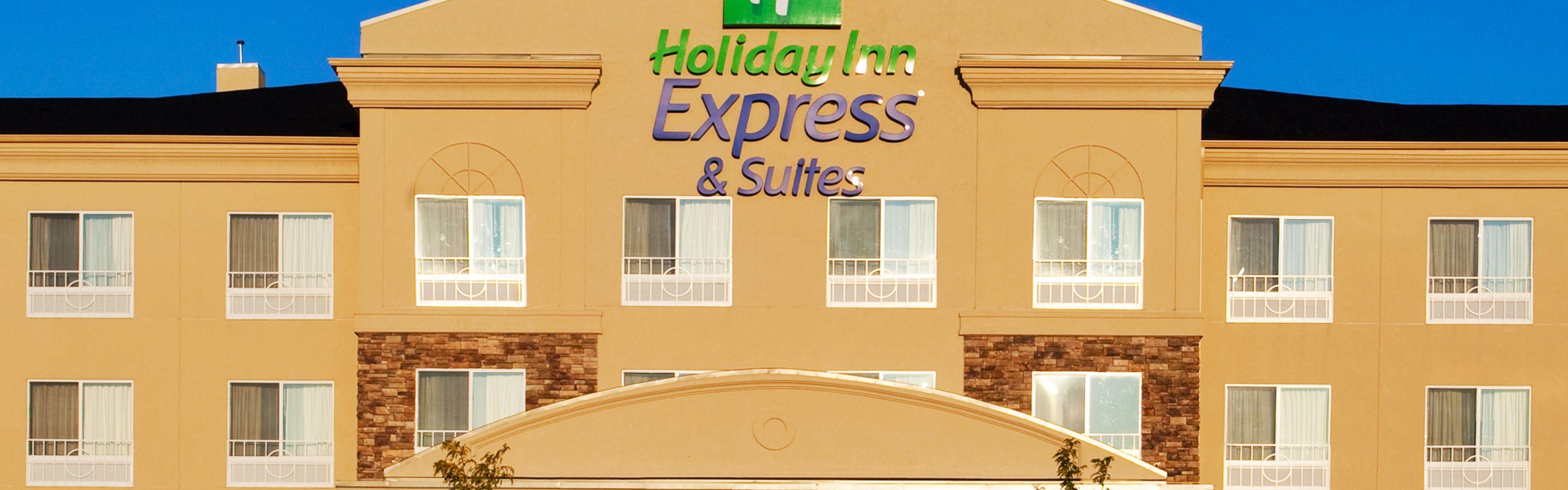Holiday Inn Express & Suites Chicago North-Waukegan-Gurnee image 0