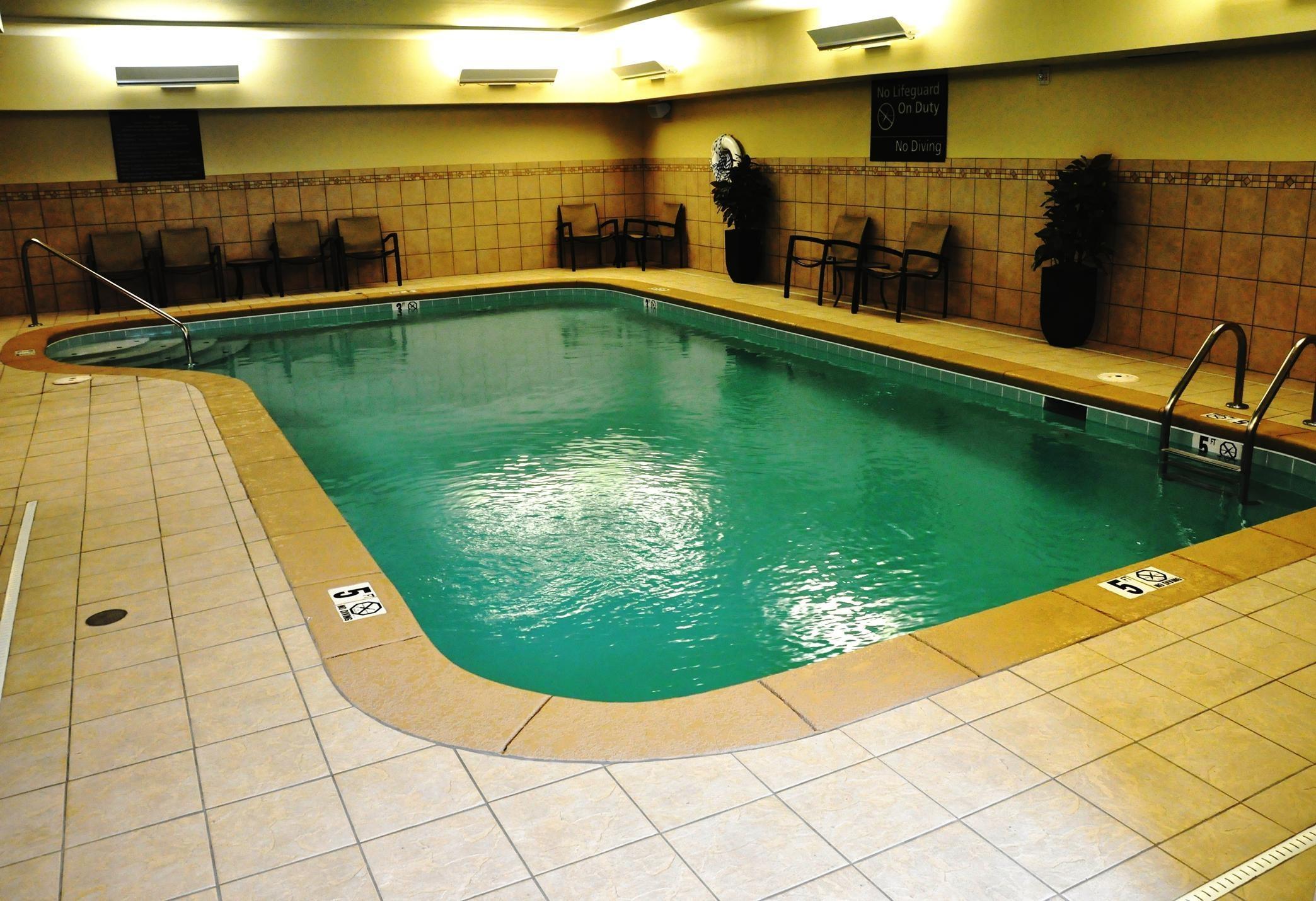 Hampton Inn & Suites Cincinnati/Uptown-University Area image 3