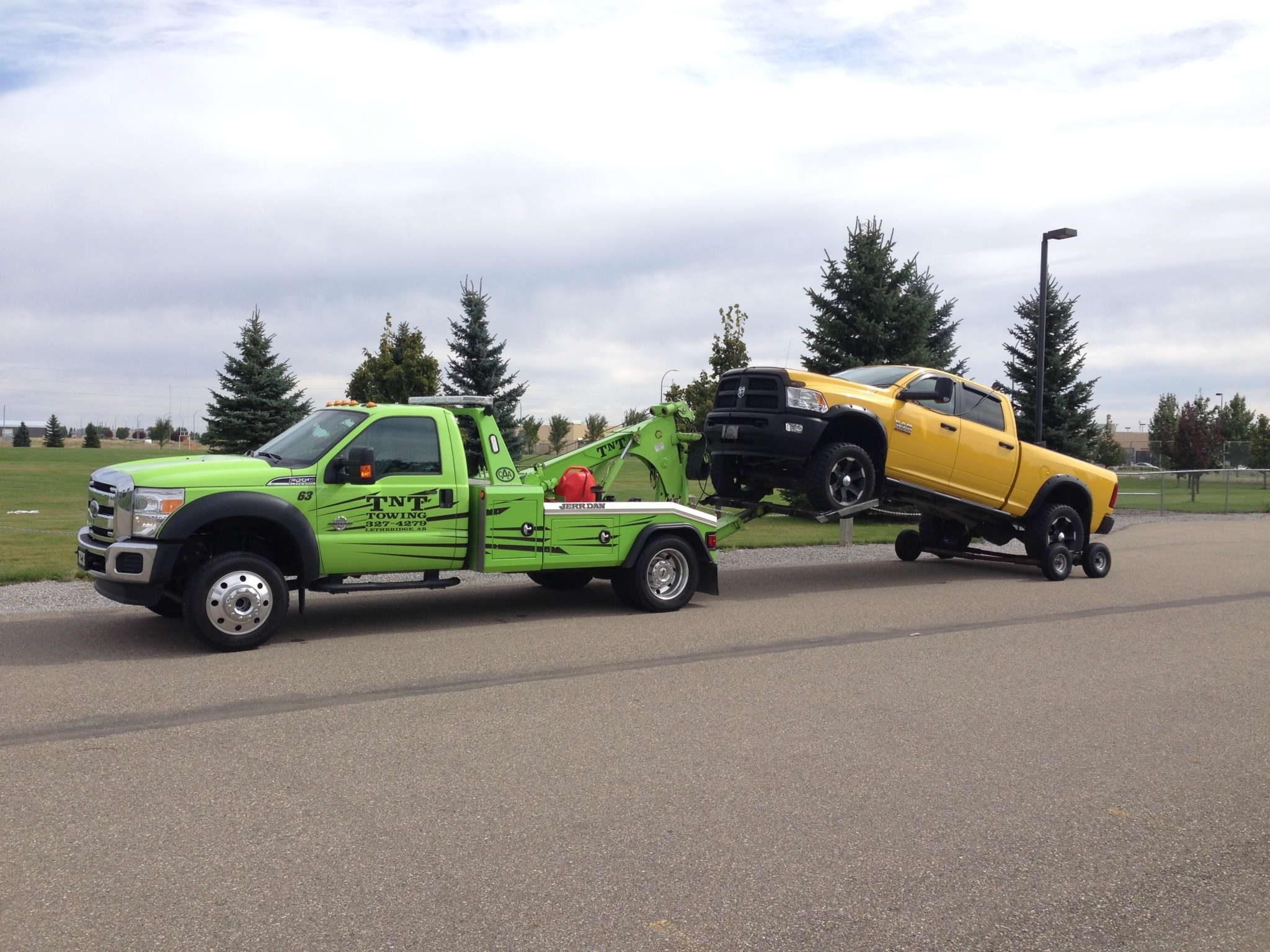 TNT Towing and Salvage Disposal in Lethbridge