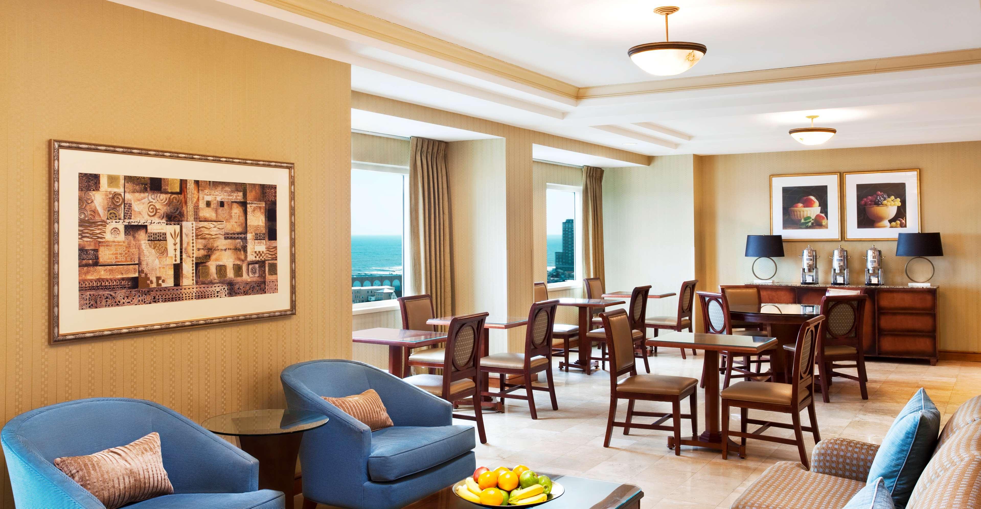 Sheraton Atlantic City Convention Center Hotel image 2