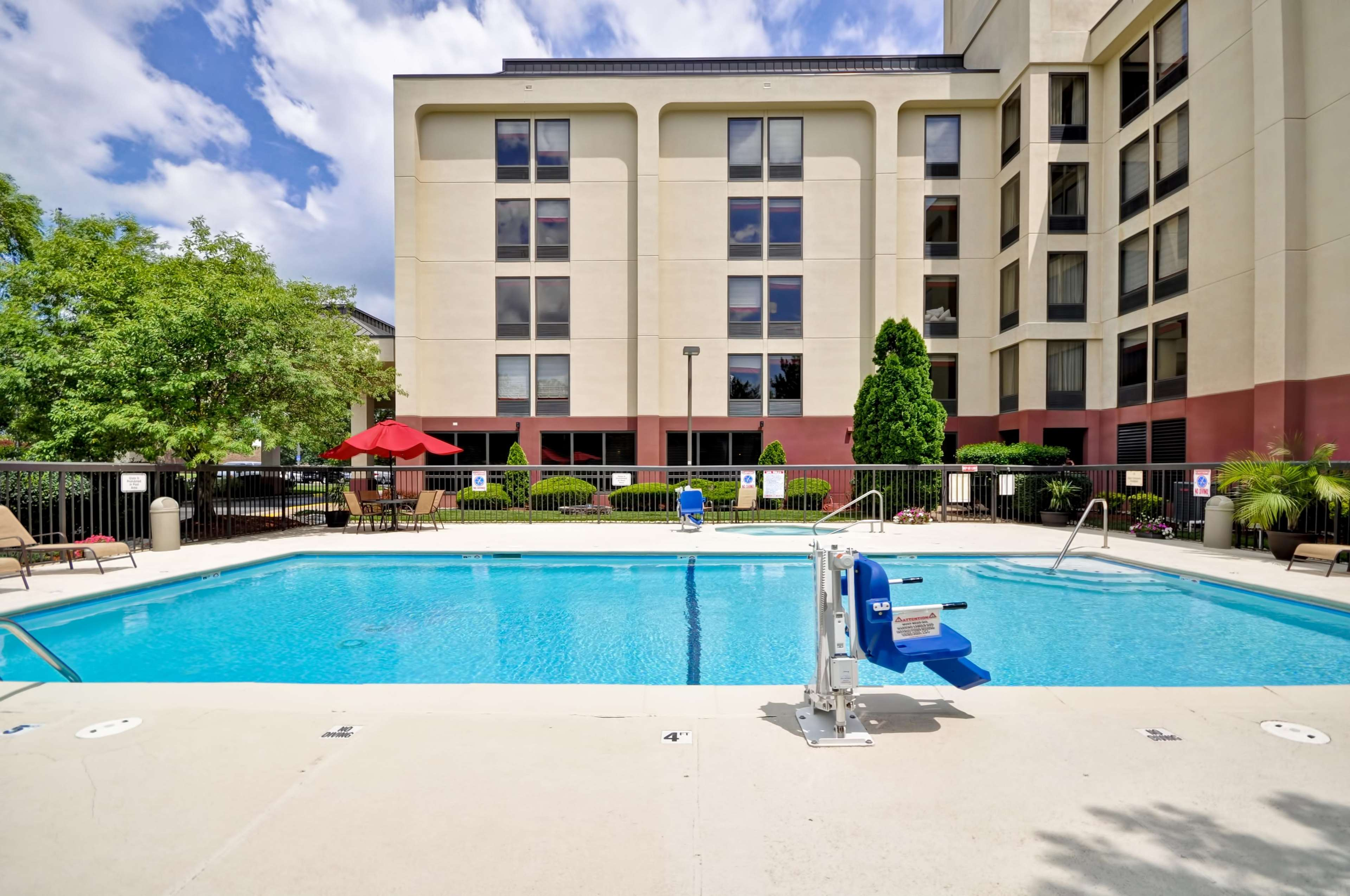 Hampton Inn Kansas City/Overland Park image 46