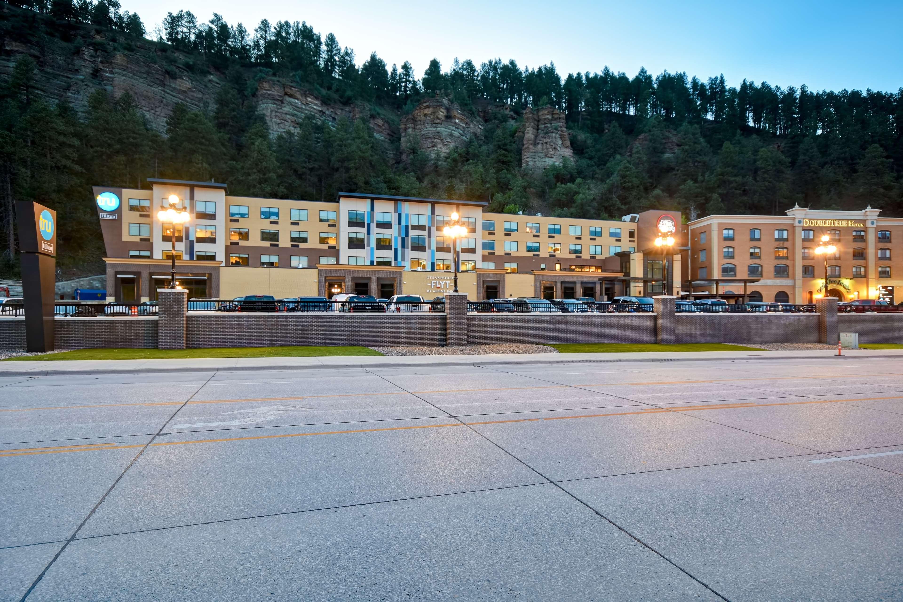 Tru by Hilton Deadwood image 4