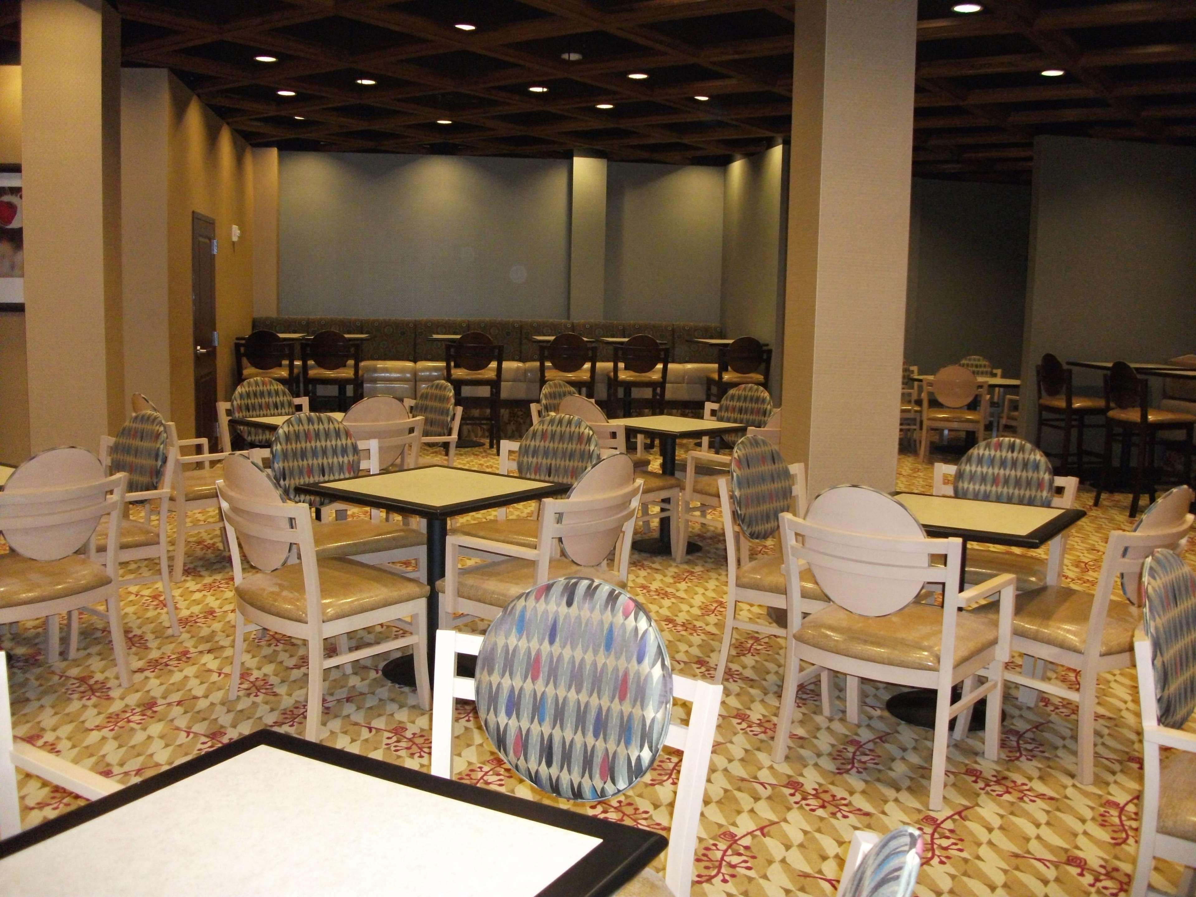 Embassy Suites by Hilton Birmingham Hoover image 22