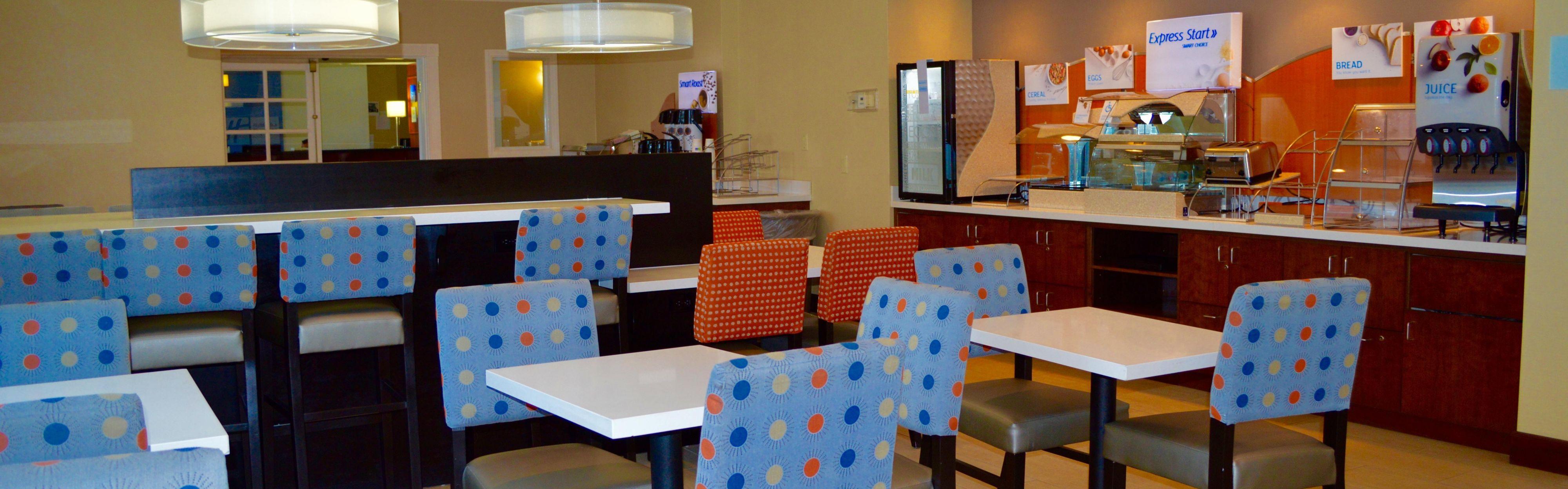 Holiday Inn Express Calexico image 3