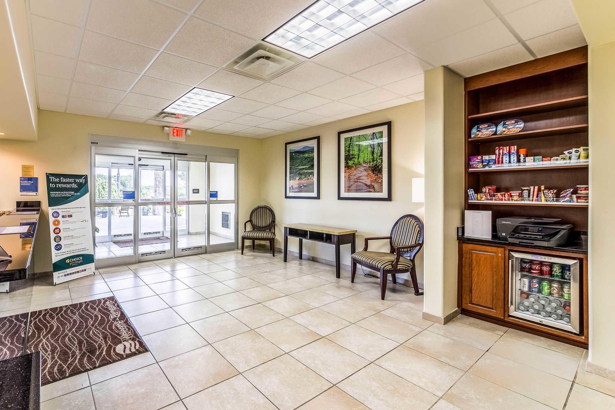 Comfort Inn & Suites Barnesville - Frackville image 5