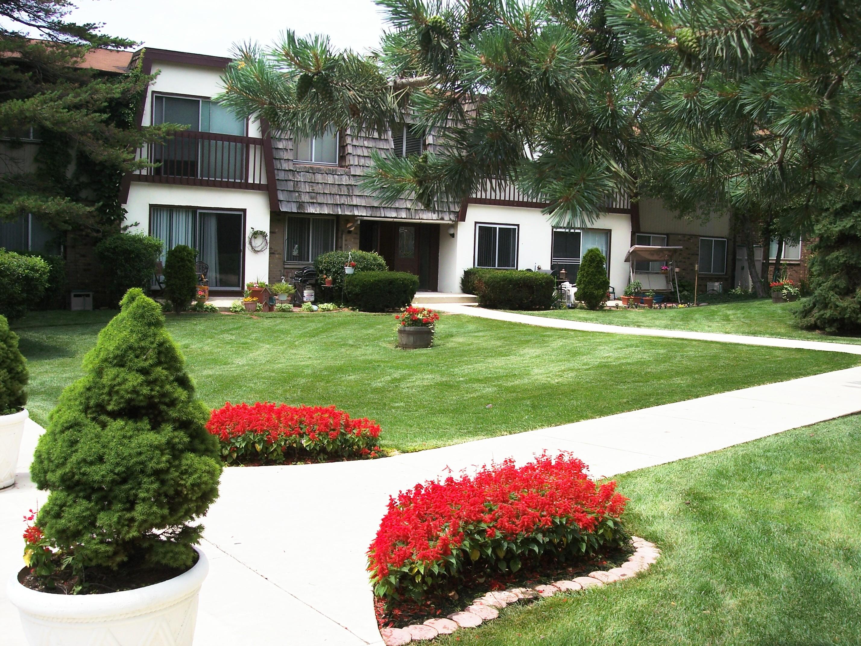 Winston Oaks Apartment Condominiums image 0