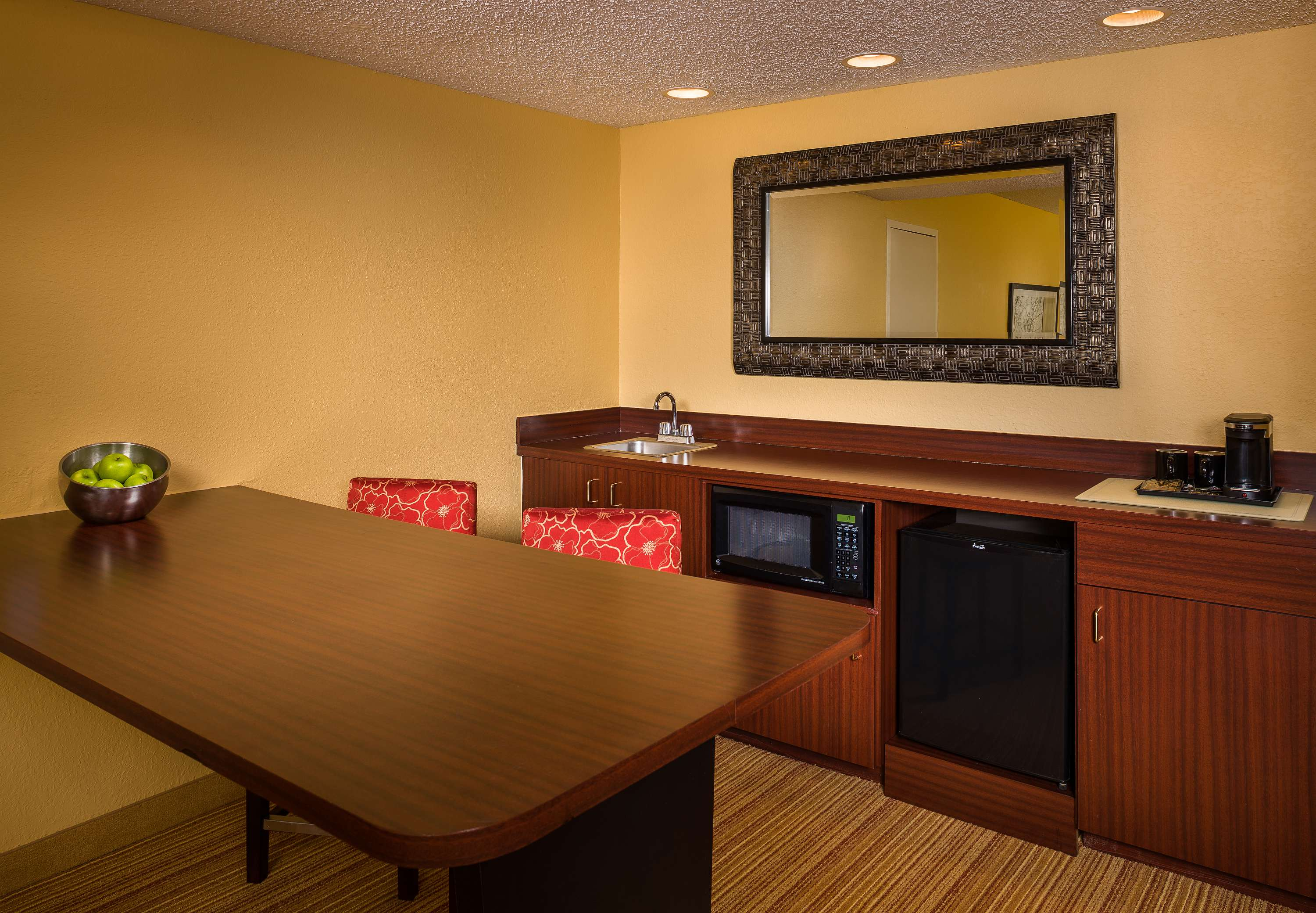 Courtyard by Marriott Fort Lauderdale North/Cypress Creek image 0