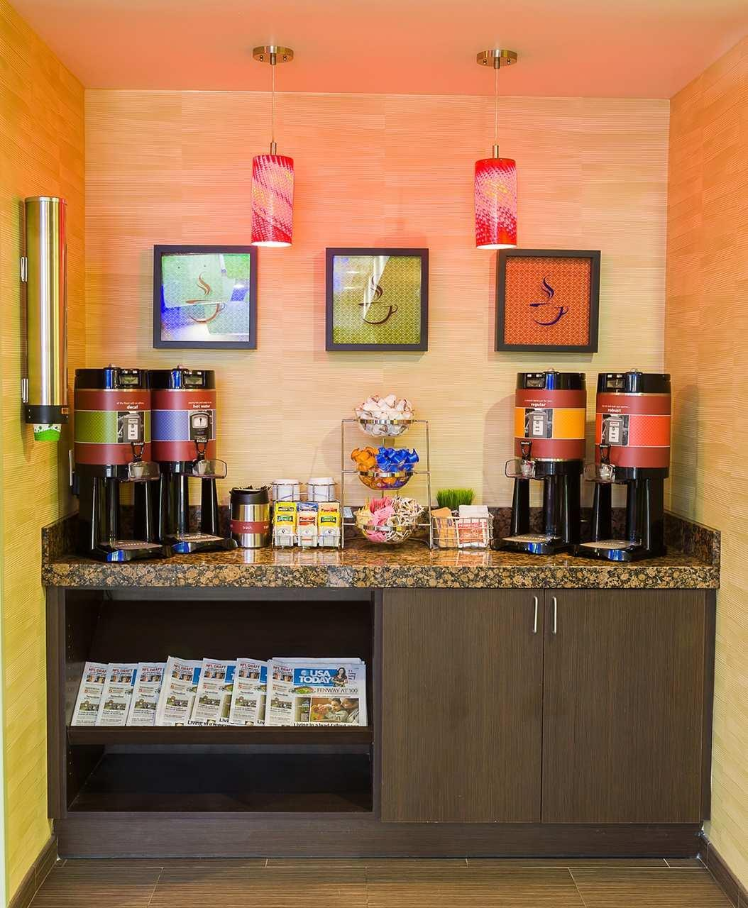 Hampton Inn & Suites Tulsa/Central image 5