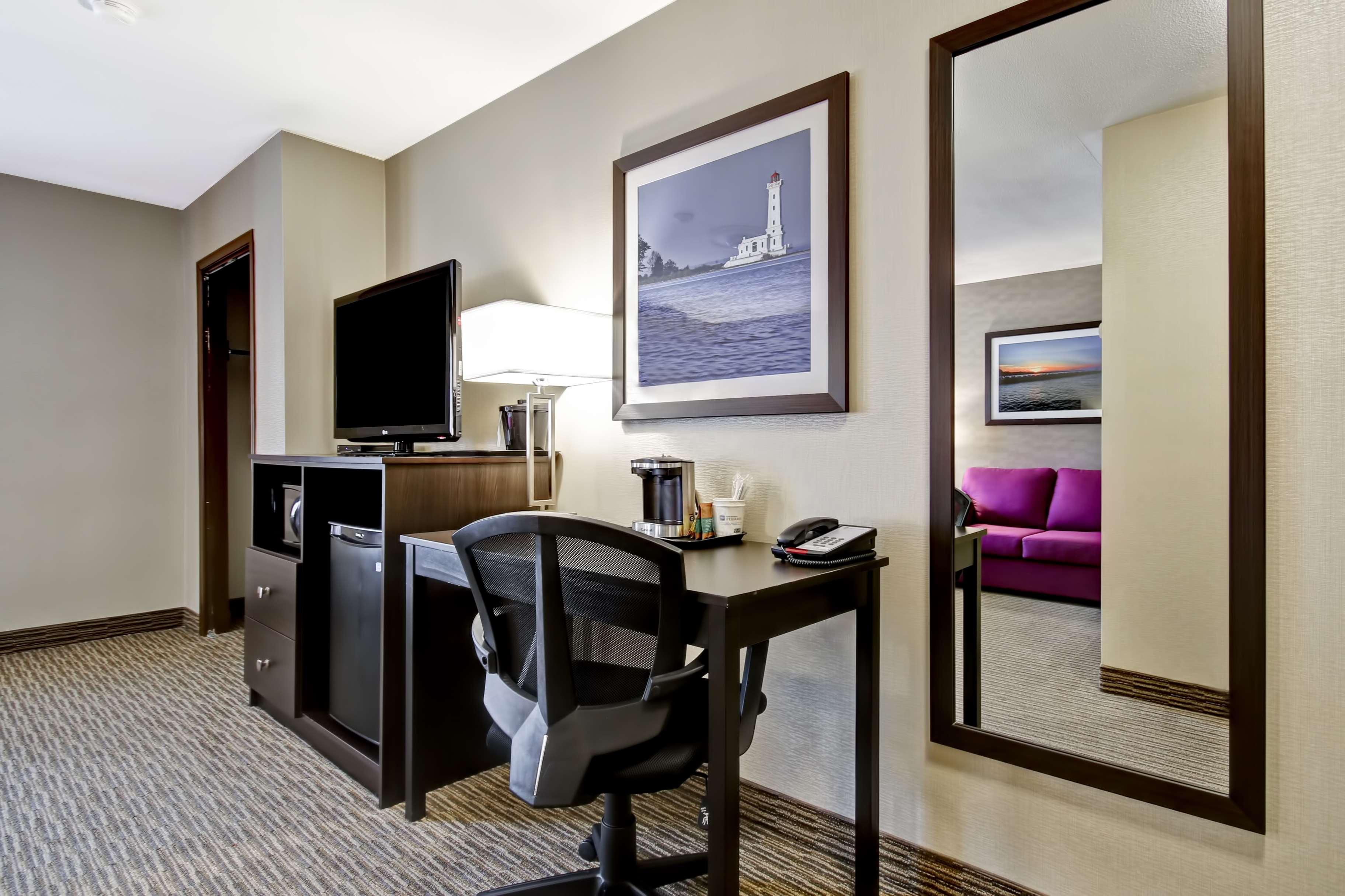 Best Western Little River Inn à Simcoe: Guest Room
