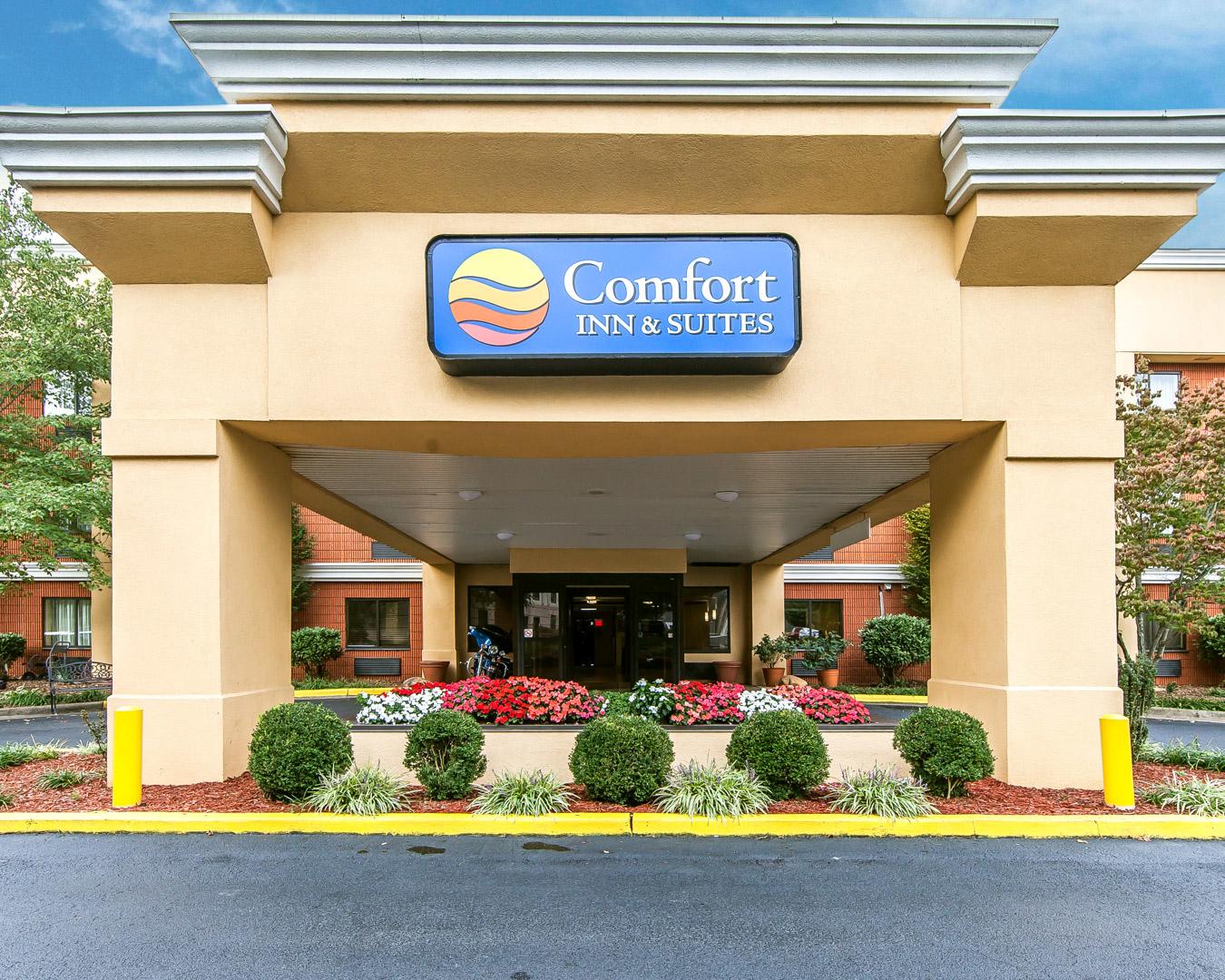 comfort inn suites cleveland tn company information. Black Bedroom Furniture Sets. Home Design Ideas