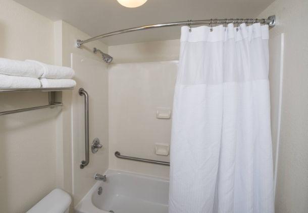 SpringHill Suites by Marriott Atlanta Alpharetta image 4