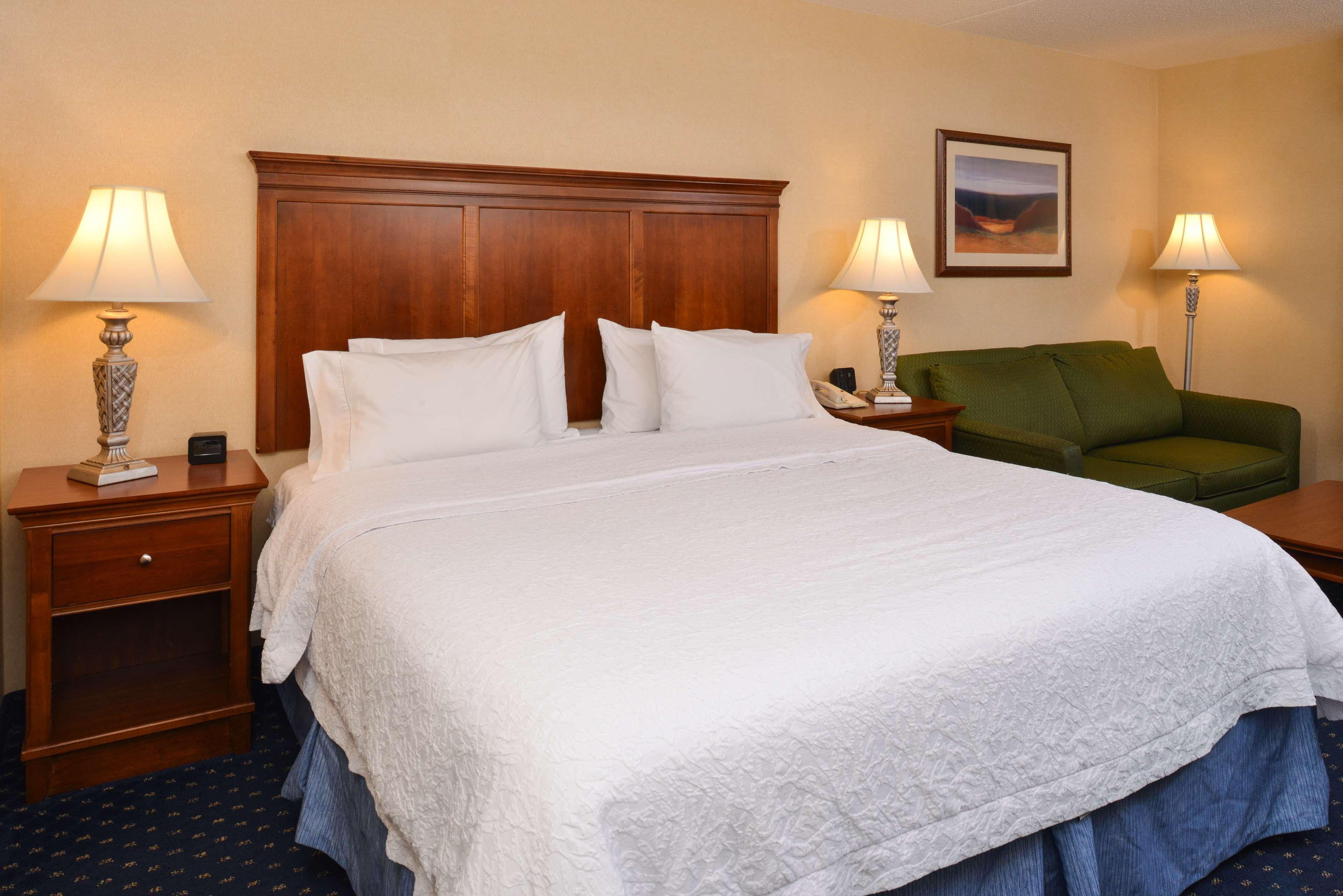 Hampton Inn & Suites Fredericksburg South image 23