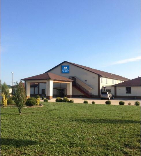 Americas Best Value Inn & Suites Pinckneyville image 0
