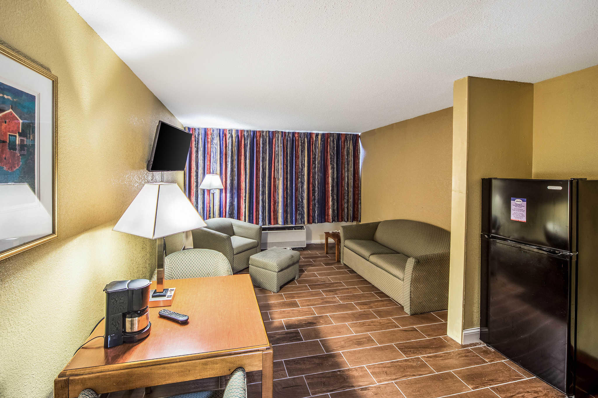 Suburban Extended Stay Hotel image 9