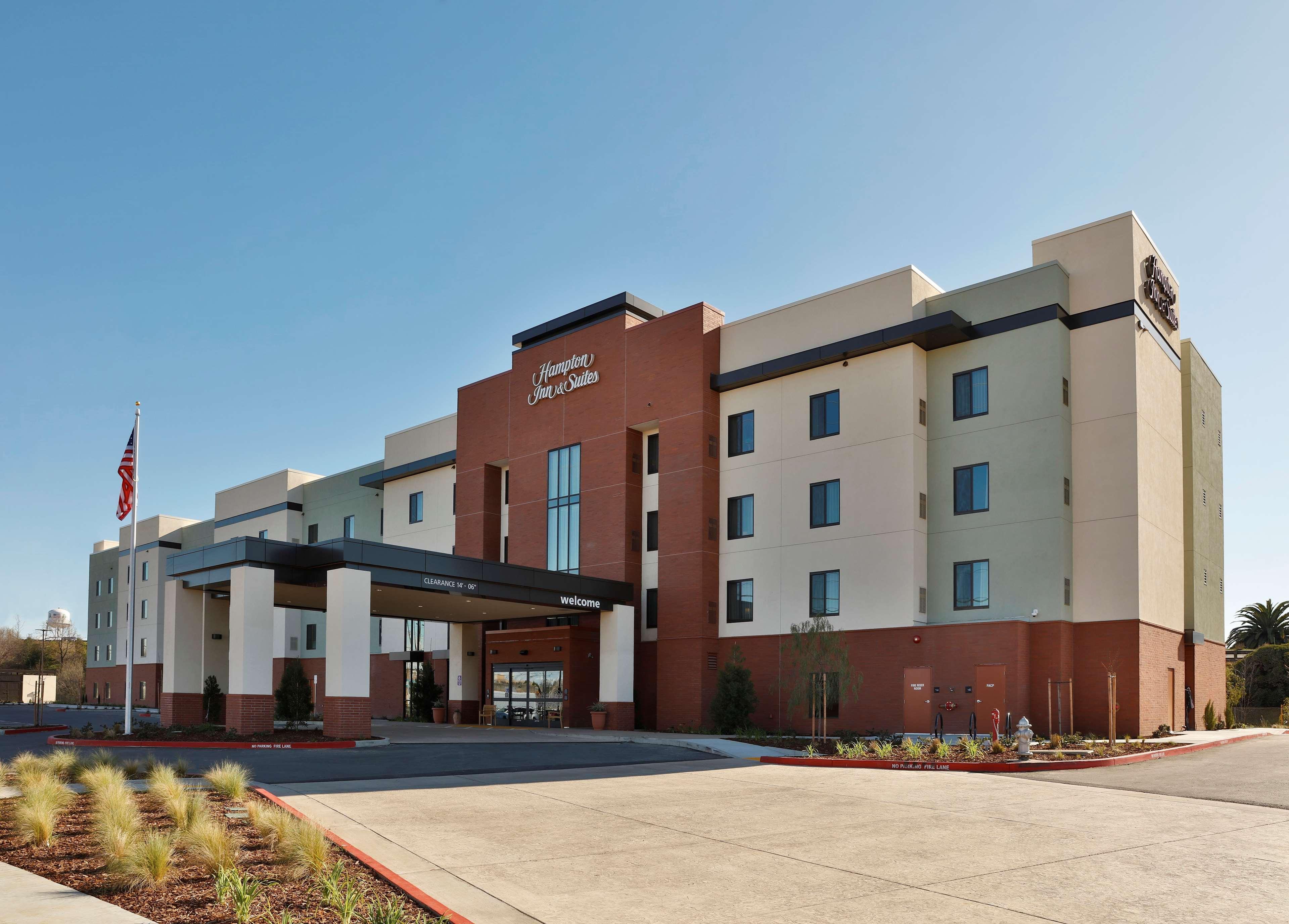 Hampton Inn & Suites Sacramento at CSUS image 3