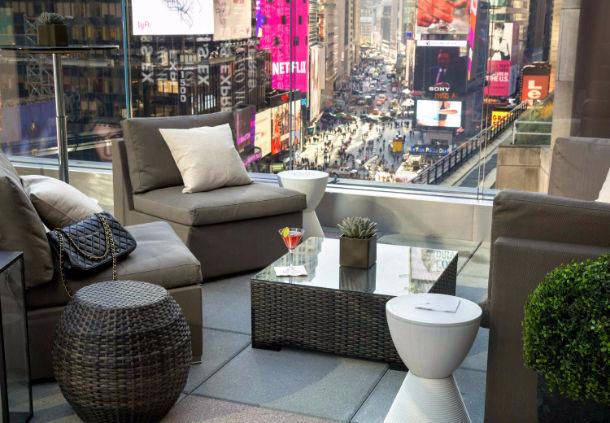 Broadway Lounge & Terrace image 3