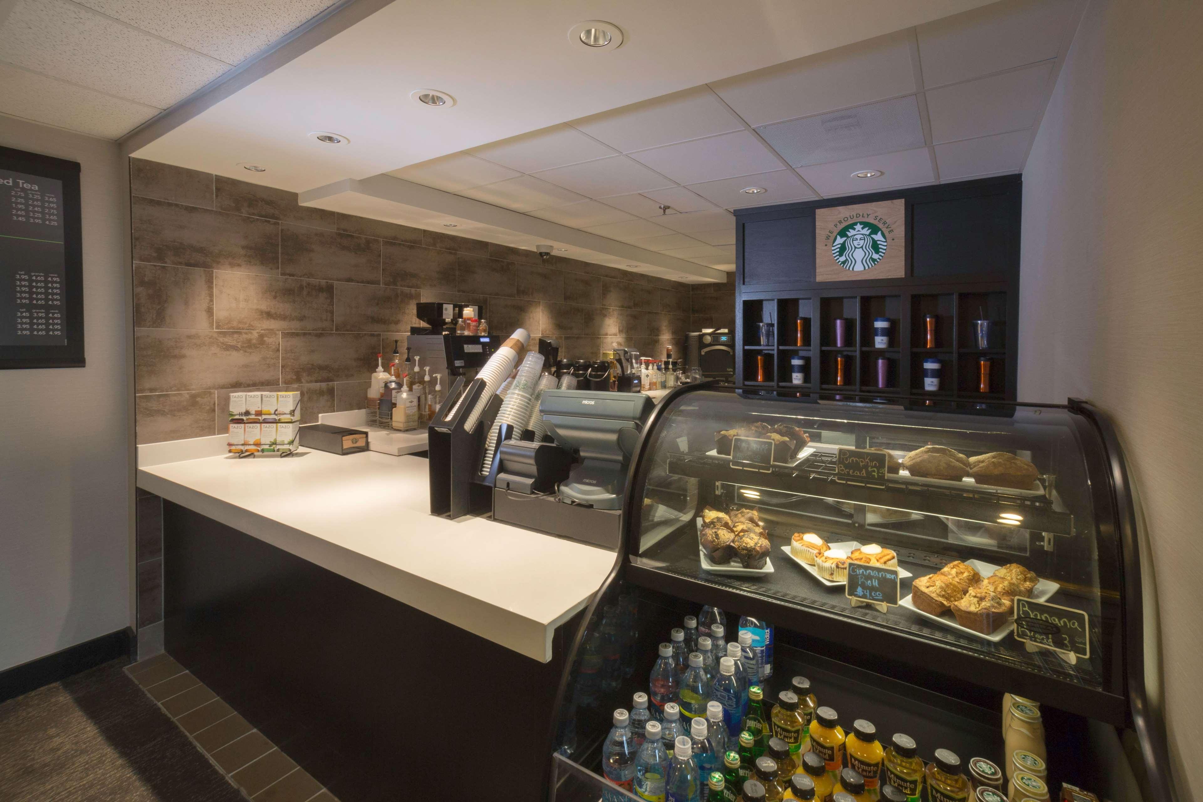 Hilton Kansas City Airport image 7
